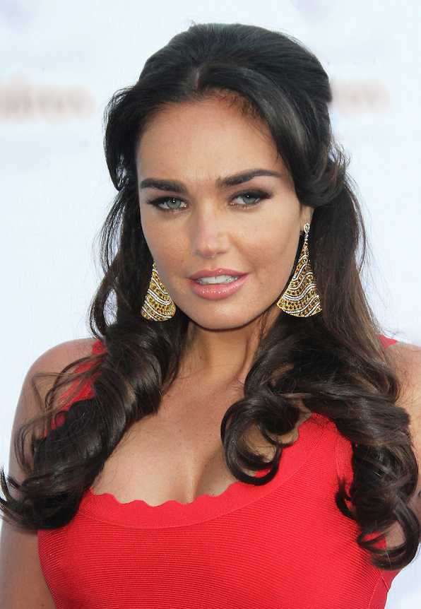 The 34-year old daughter of father Bernie Ecclestone and mother Slavica Ecclestone Tamara Ecclestone in 2018 photo. Tamara Ecclestone earned a  million dollar salary - leaving the net worth at 300 million in 2018