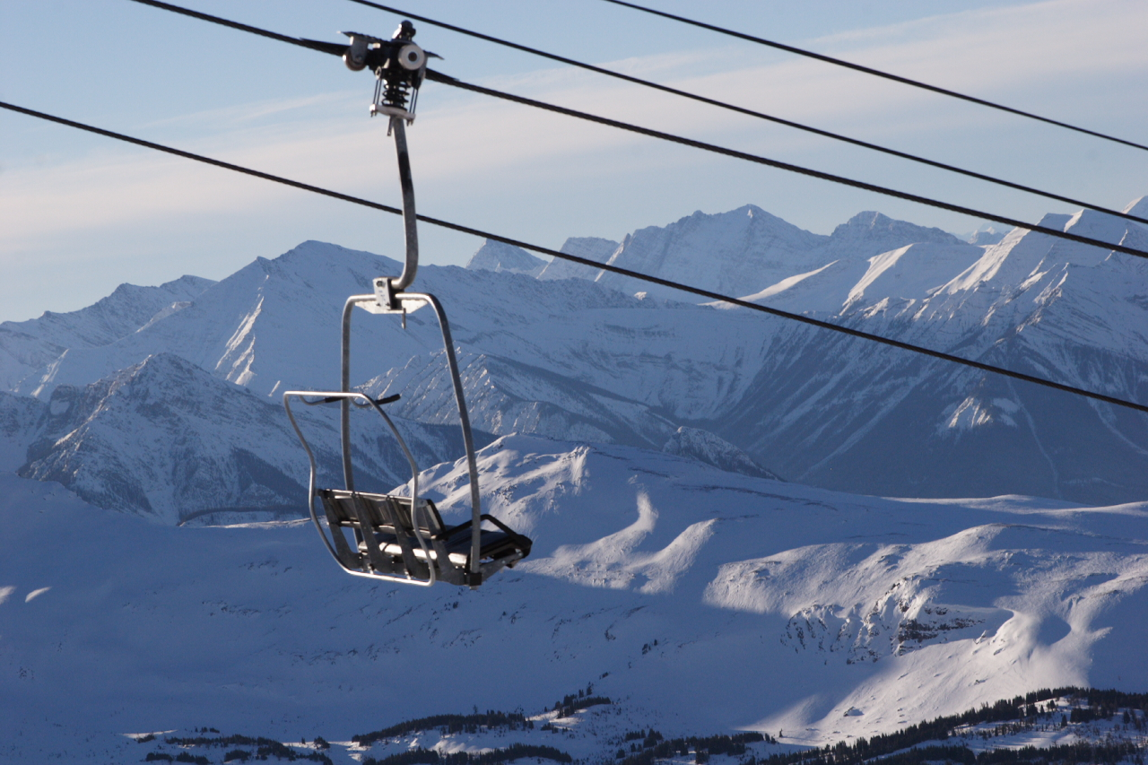 Sushine Ski Resort By Fred Benenson [CC-BY-2.0 (http://creativecommons.org/licenses/by/2.0)], via Wikimedia Commons