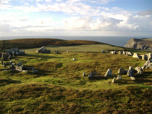 File:The Meayll circle - Mull Hill - geograph.org.uk - 62530.jpg