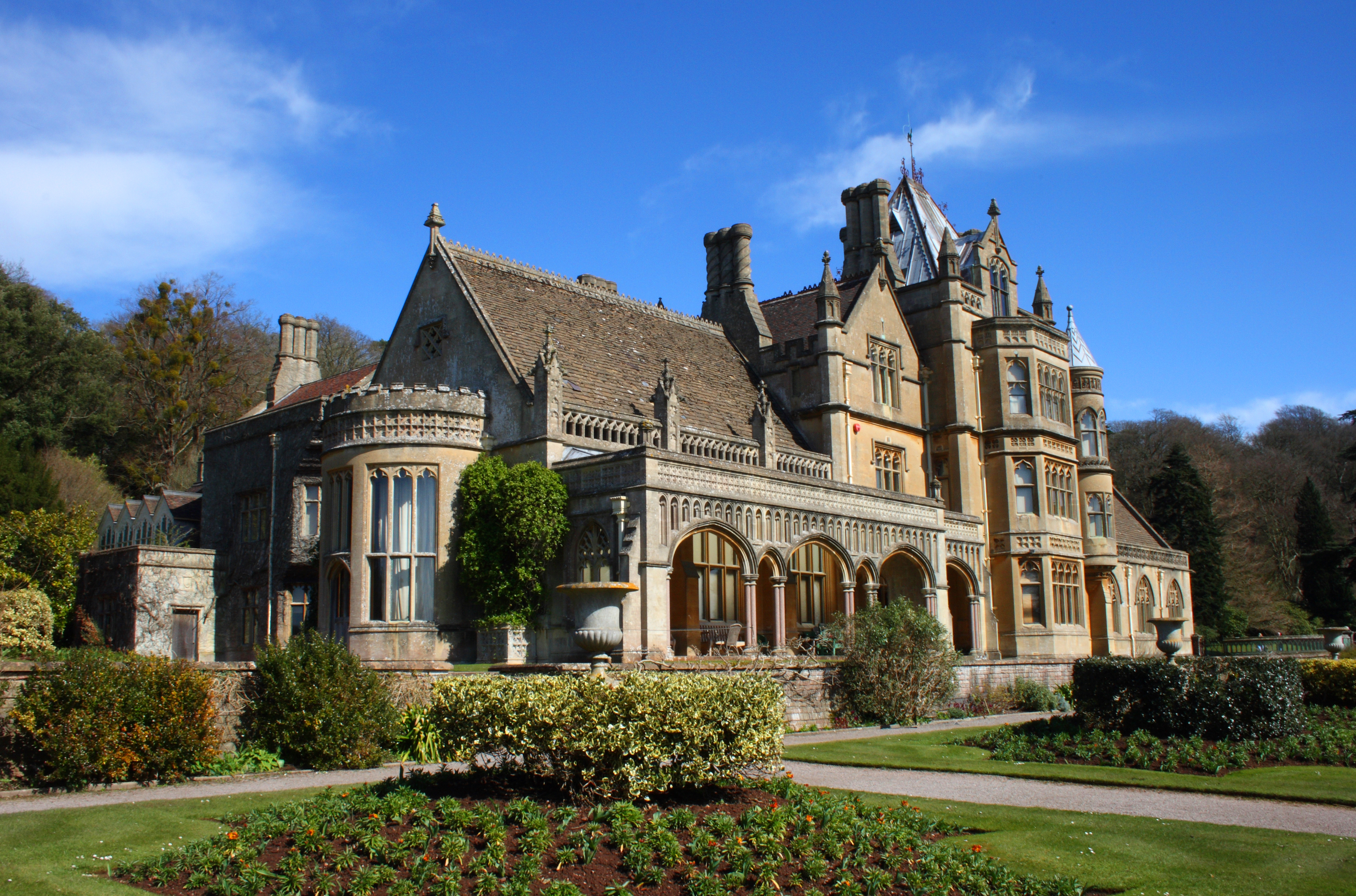 File tyntesfield wikimedia commons for Old homes for sale in england
