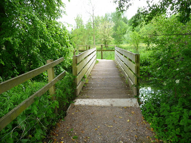 Upper Clatford - Footbridge - geograph.org.uk - 1425617
