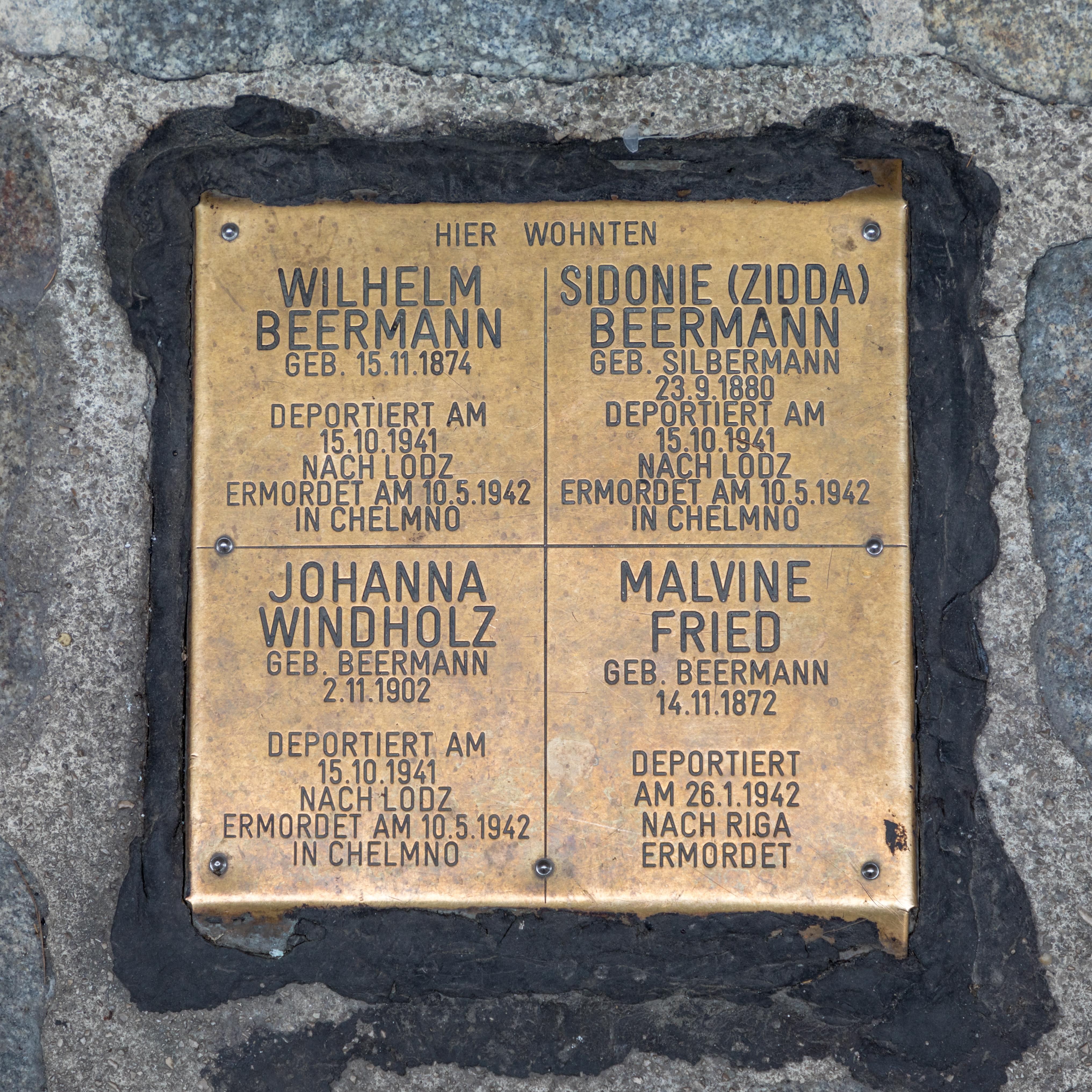 Erinnerungsstein Beermann/Fried, Vienna, Austria (2018) German Wien, Österreich (2018) object has role: photographer World Heritage Site ID: 1033 refine date: 14:30