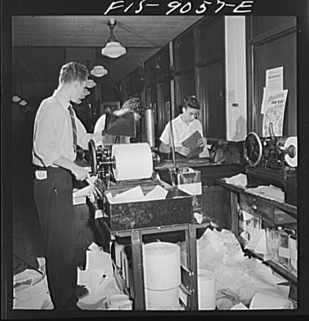 File:Wire room of the New York Times newspaper.8d22708v.jpg ...