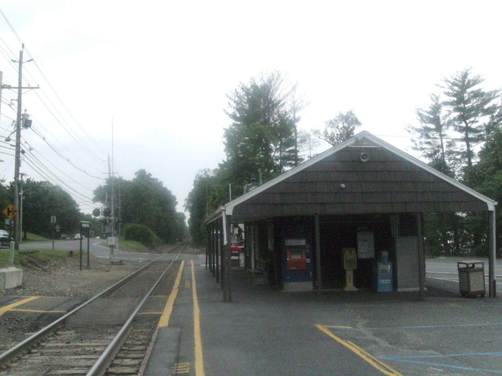 File:Woodcliff Lake Station jpg - Wikimedia Commons
