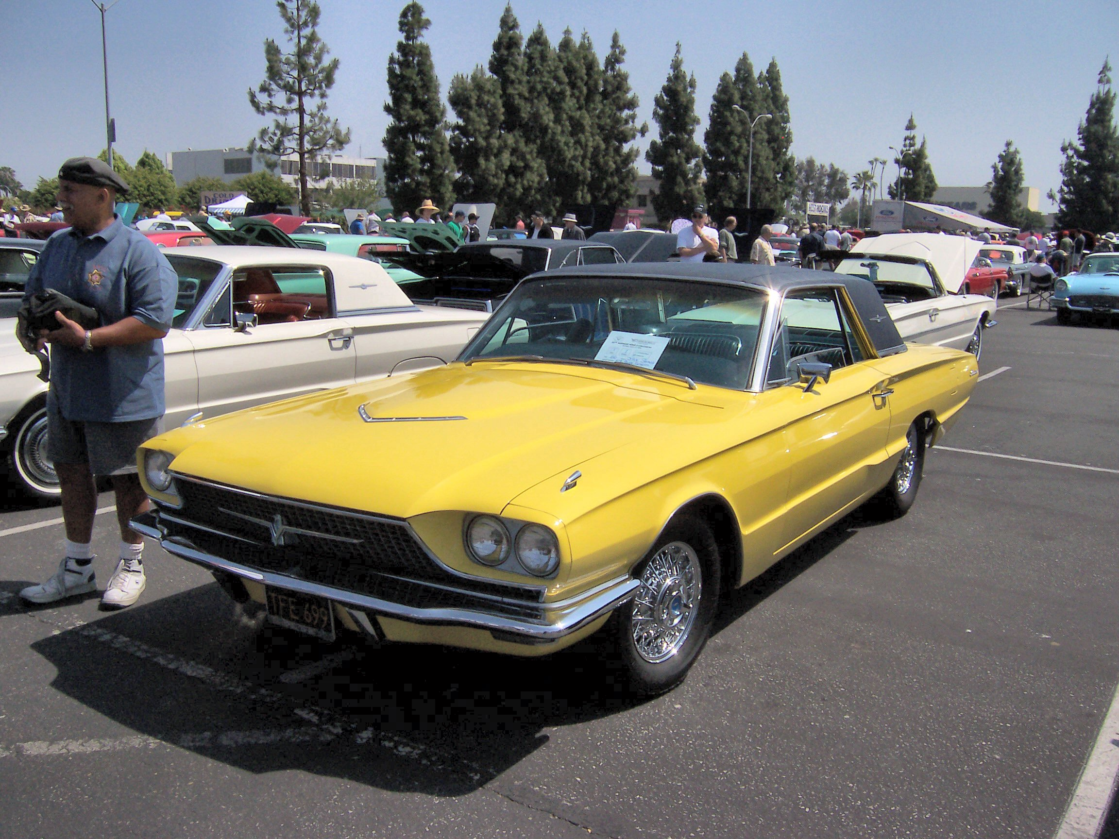 File 1966 ford thunderbird town landau yellow jpg