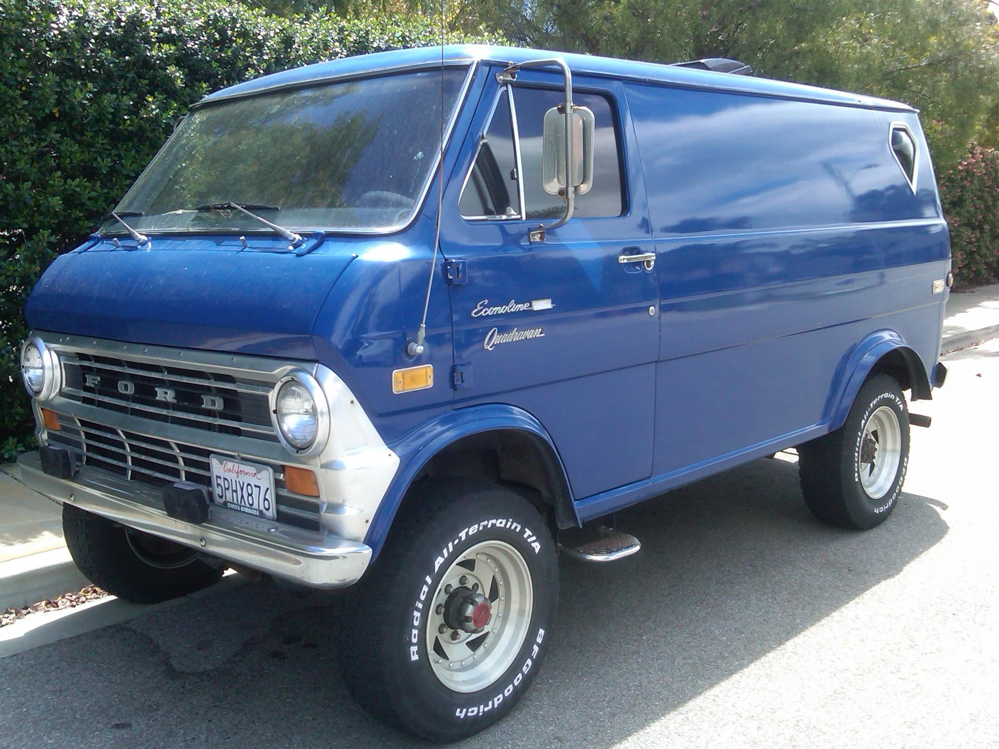 Econoline 4x4 Camper >> File:1974 Ford Econoline E-300 Quadravan.jpg - Wikimedia Commons