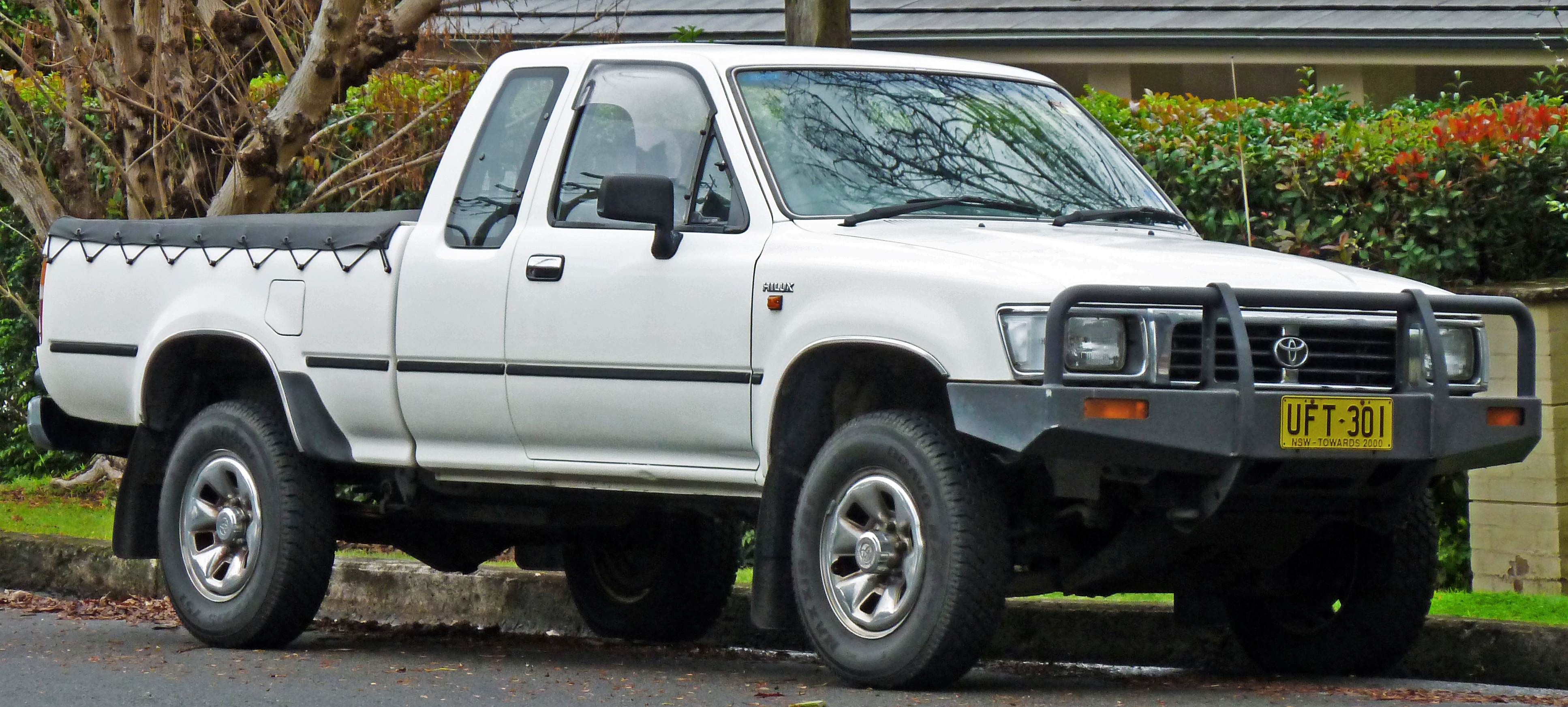 Ford Ranger 2016 Double Cab >> File:1994-1997 Toyota Hilux (RN110R) SR5 Xtra Cab 2-door utility (2011-06-15) 01.jpg - Wikimedia ...