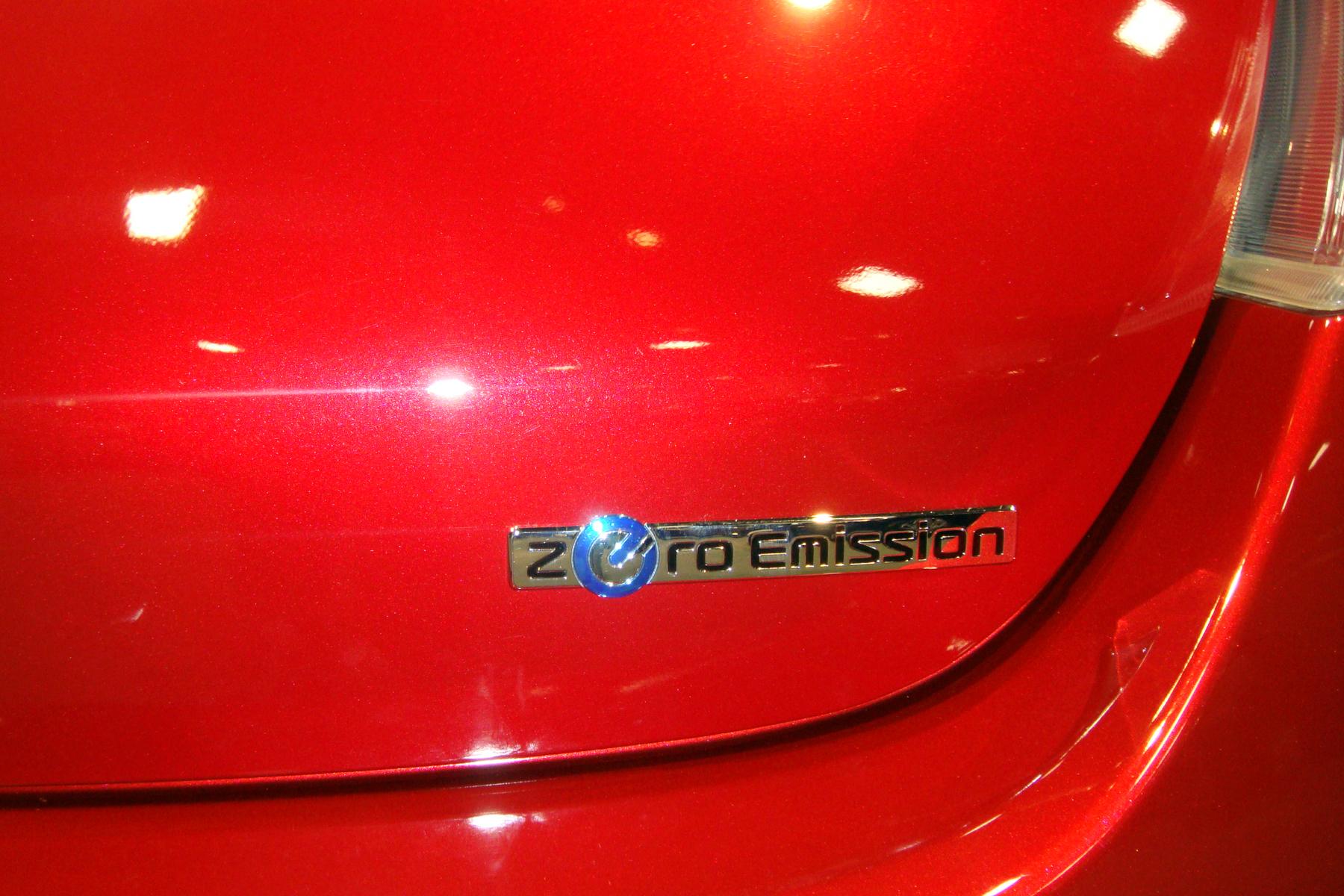 file 2011 nissan leaf zero emission logo badge was 2011. Black Bedroom Furniture Sets. Home Design Ideas