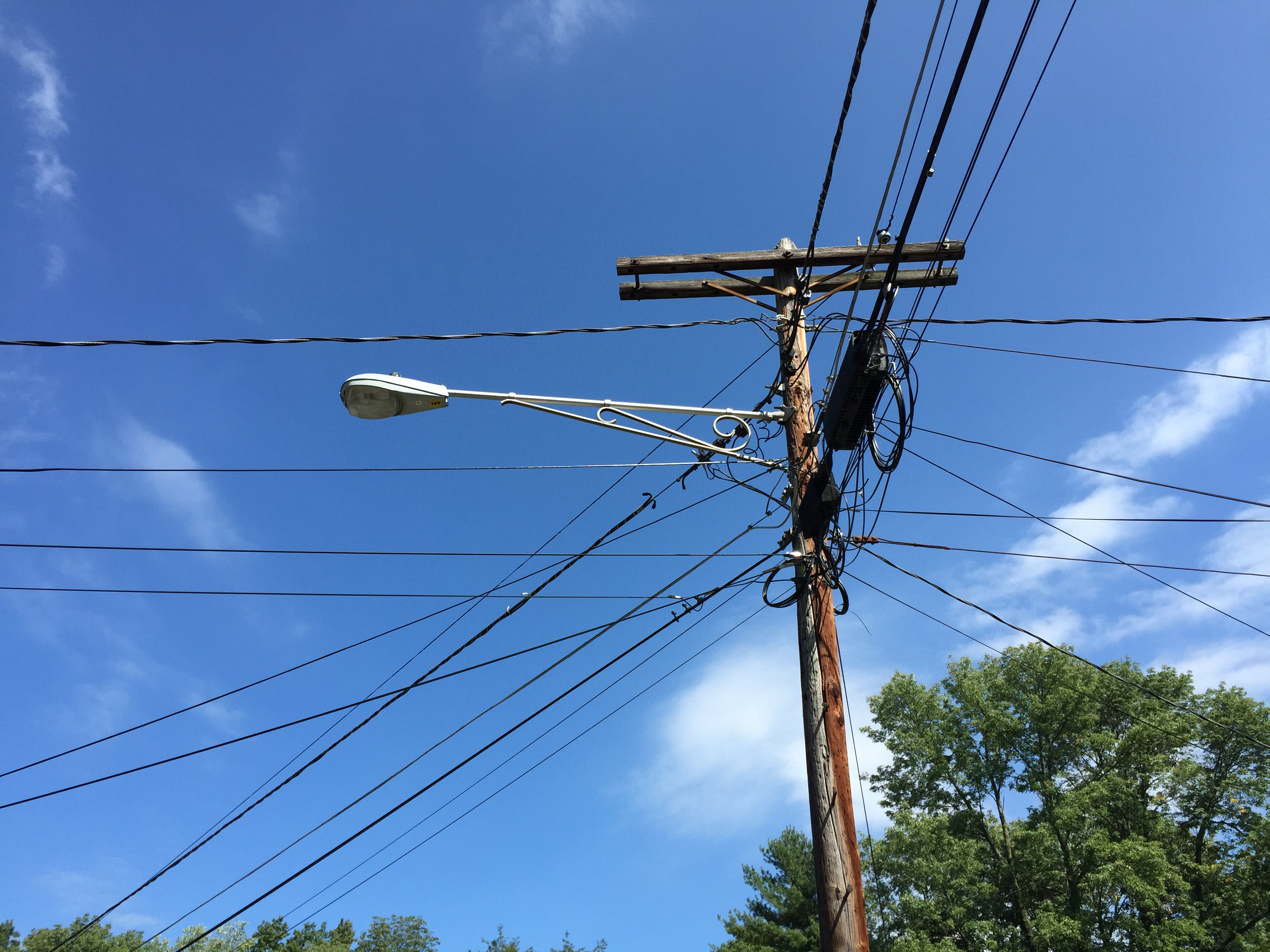 File 2015 09 20 12 49 37 Utility Pole And Old Street Light