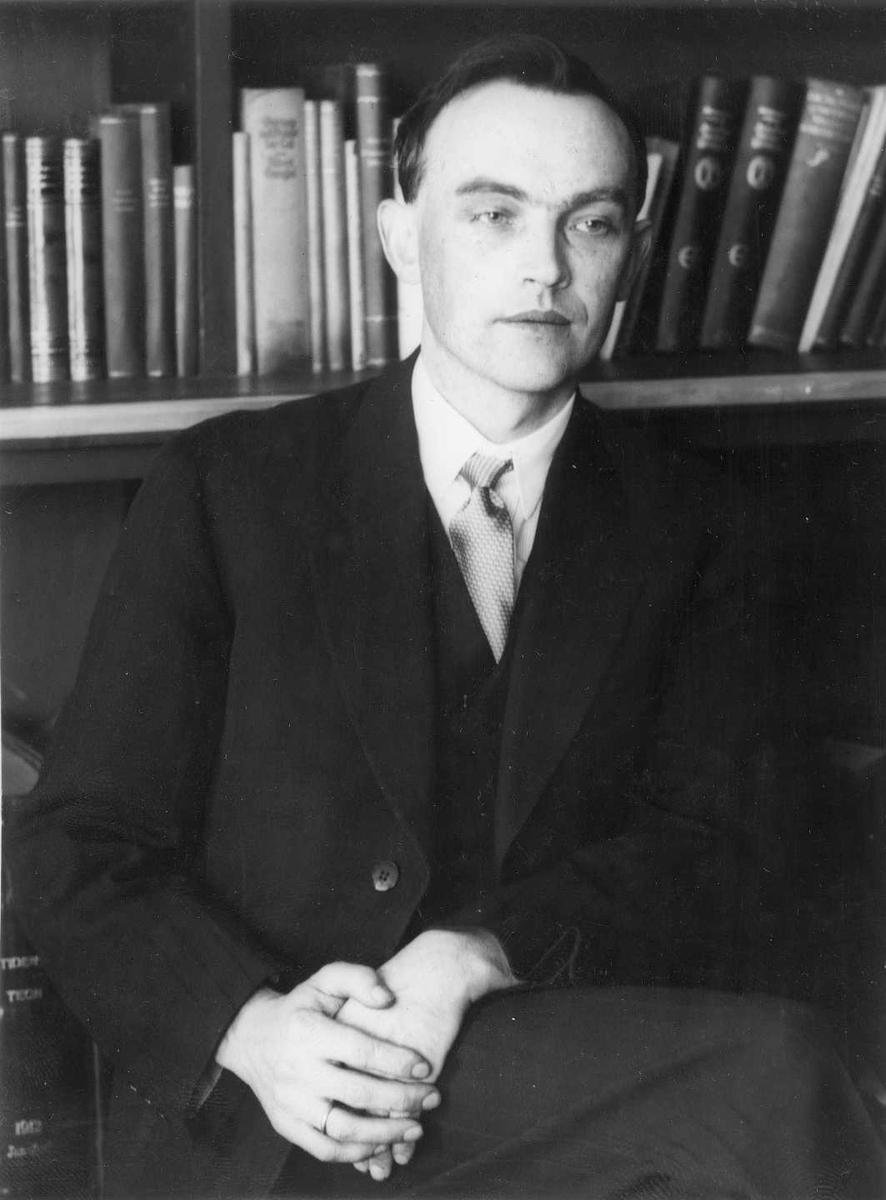 Svein Rosseland, ca. 1935
