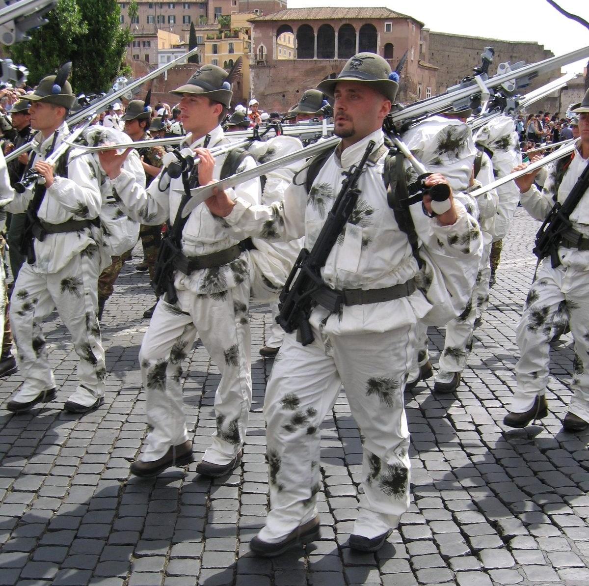 Alpini del 9º Reggimento nel 2006 30b86b63ffb3