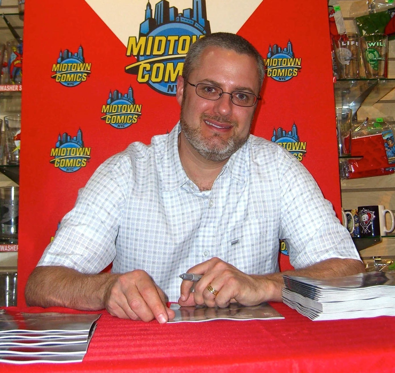 Venditti at a signing for ''[[X-O Manowar]]'' Vol 3 #1 at [[Midtown Comics]] in Manhattan