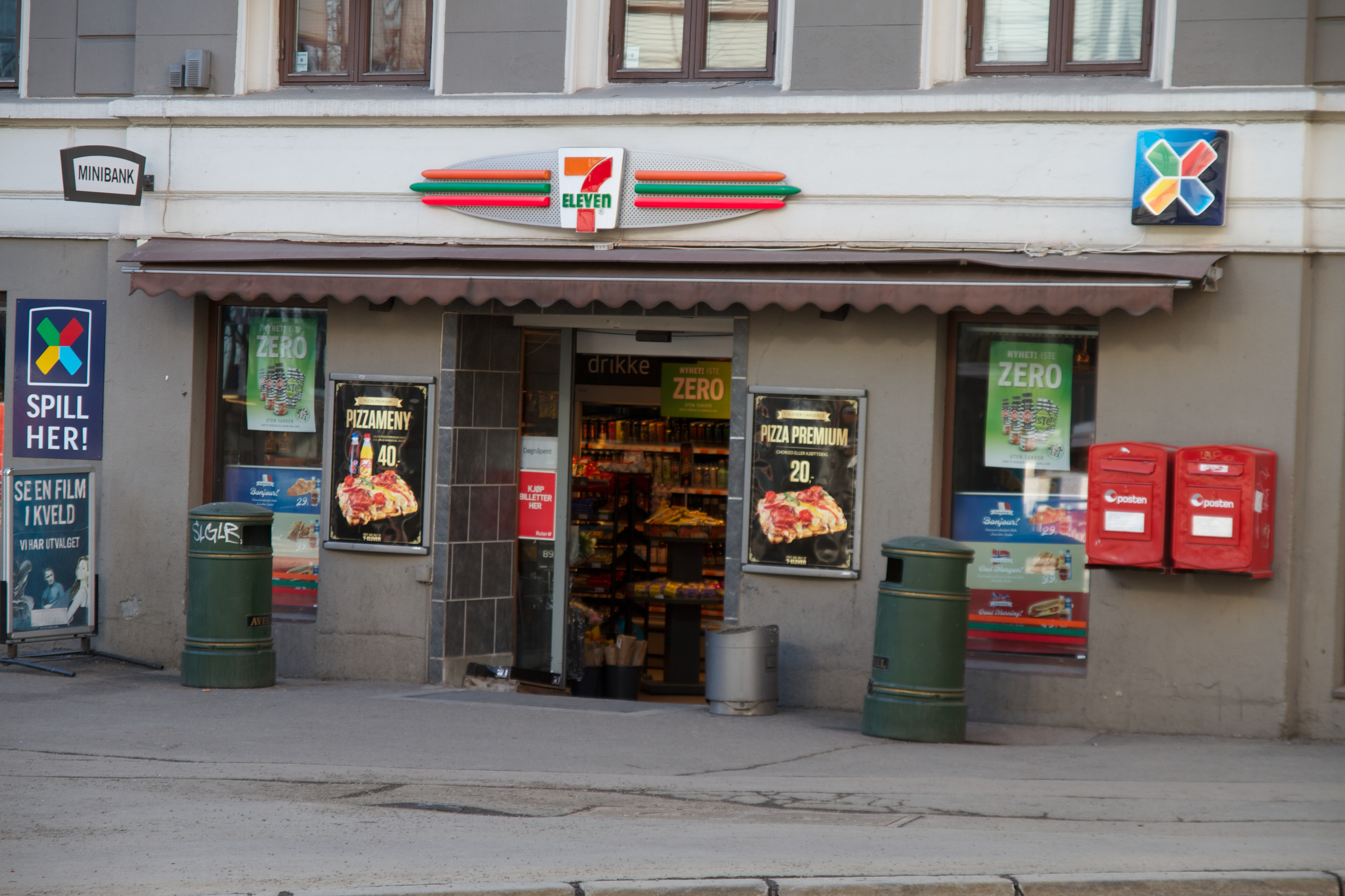 File 7 Eleven Holbergs Plass Oslo 2013 03 31 At 16 13 34