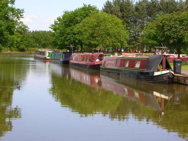Adlington Basin, Macclesfield Canal - geograph.org.uk - 1352361