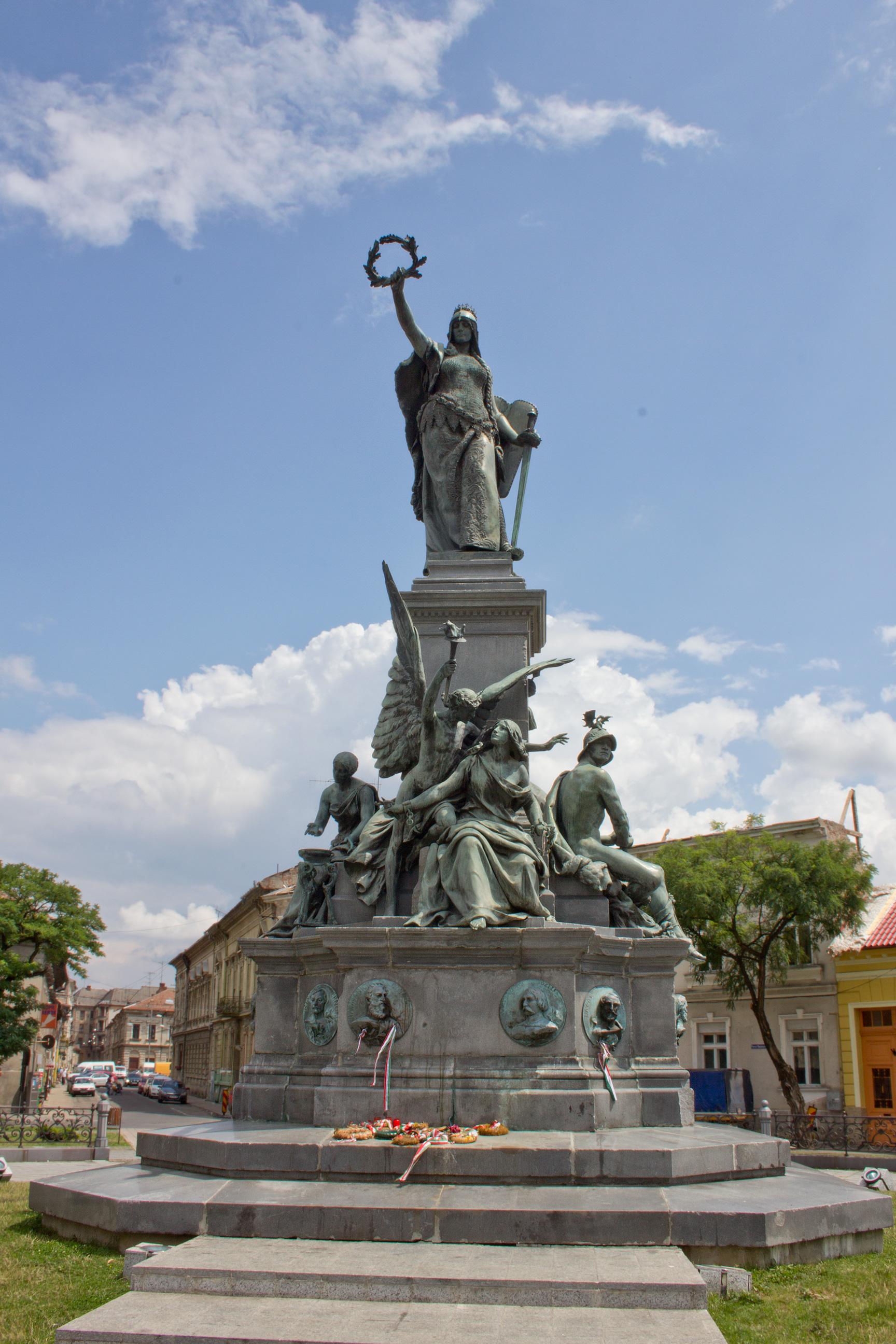 statue of liberty arad