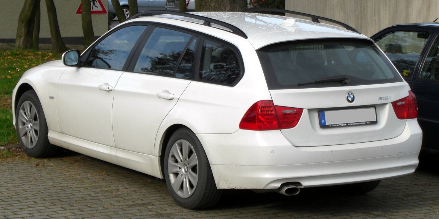 file bmw 318i touring e91 seit 2008 rear mj jpg wikimedia commons. Black Bedroom Furniture Sets. Home Design Ideas
