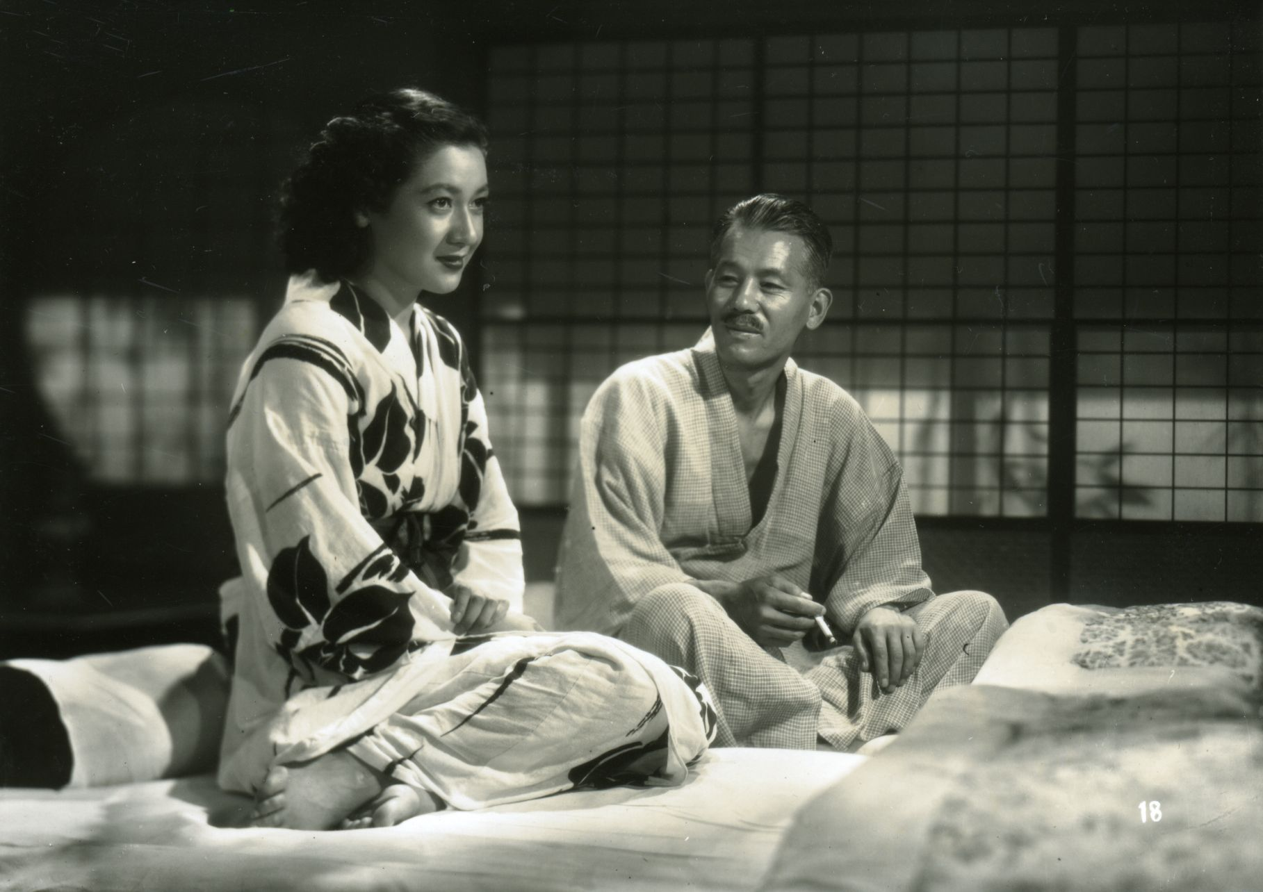 Setsuko Hara as Noriko and Chishū Ryū as Shukichi in Yasujirō Ozu's <em>Late Spring</em>.