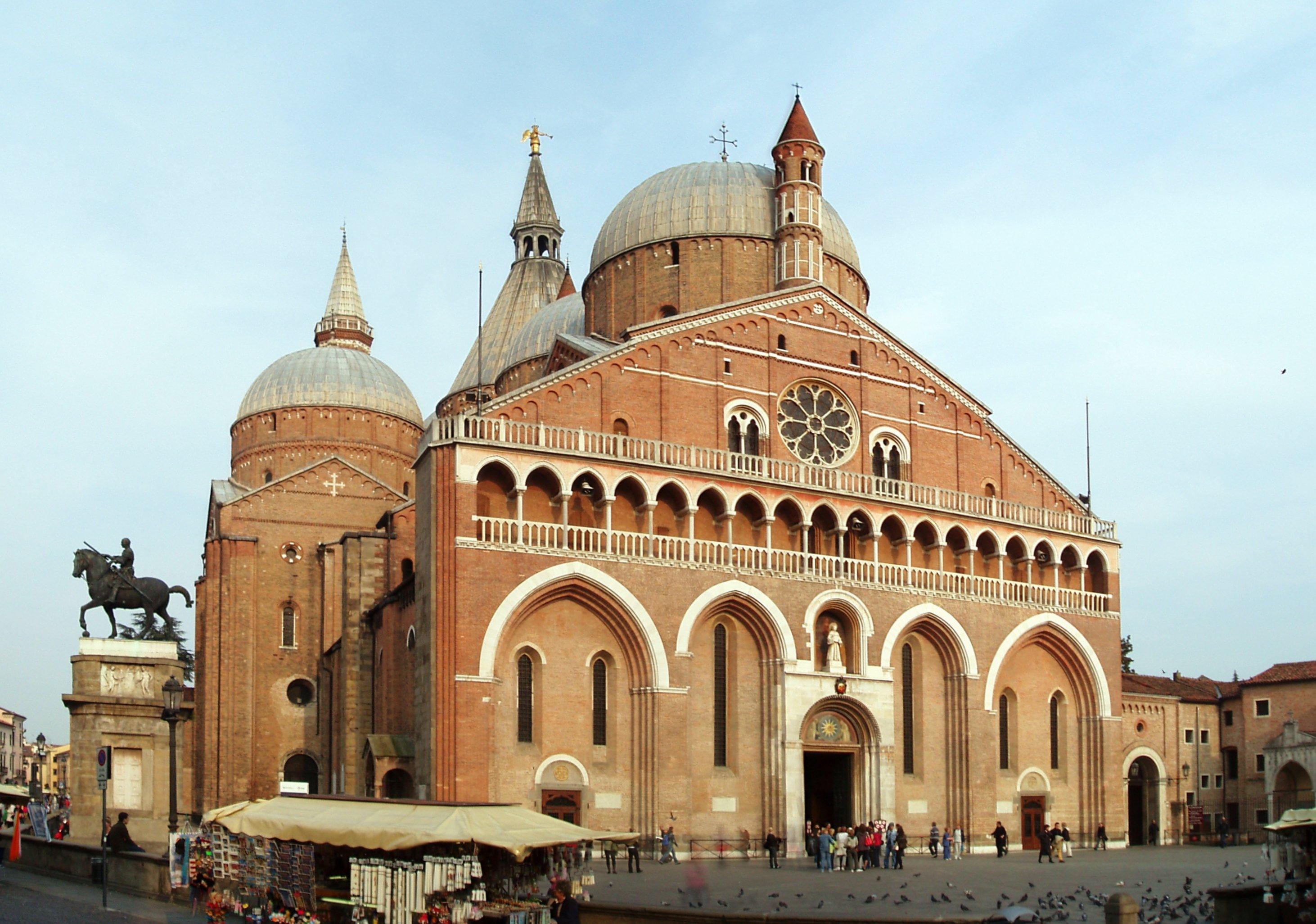 Basilique saint antoine padoue wikiwand for Pedro padova