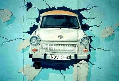 Image:Berlin Wall Trabant grafitti.jpg