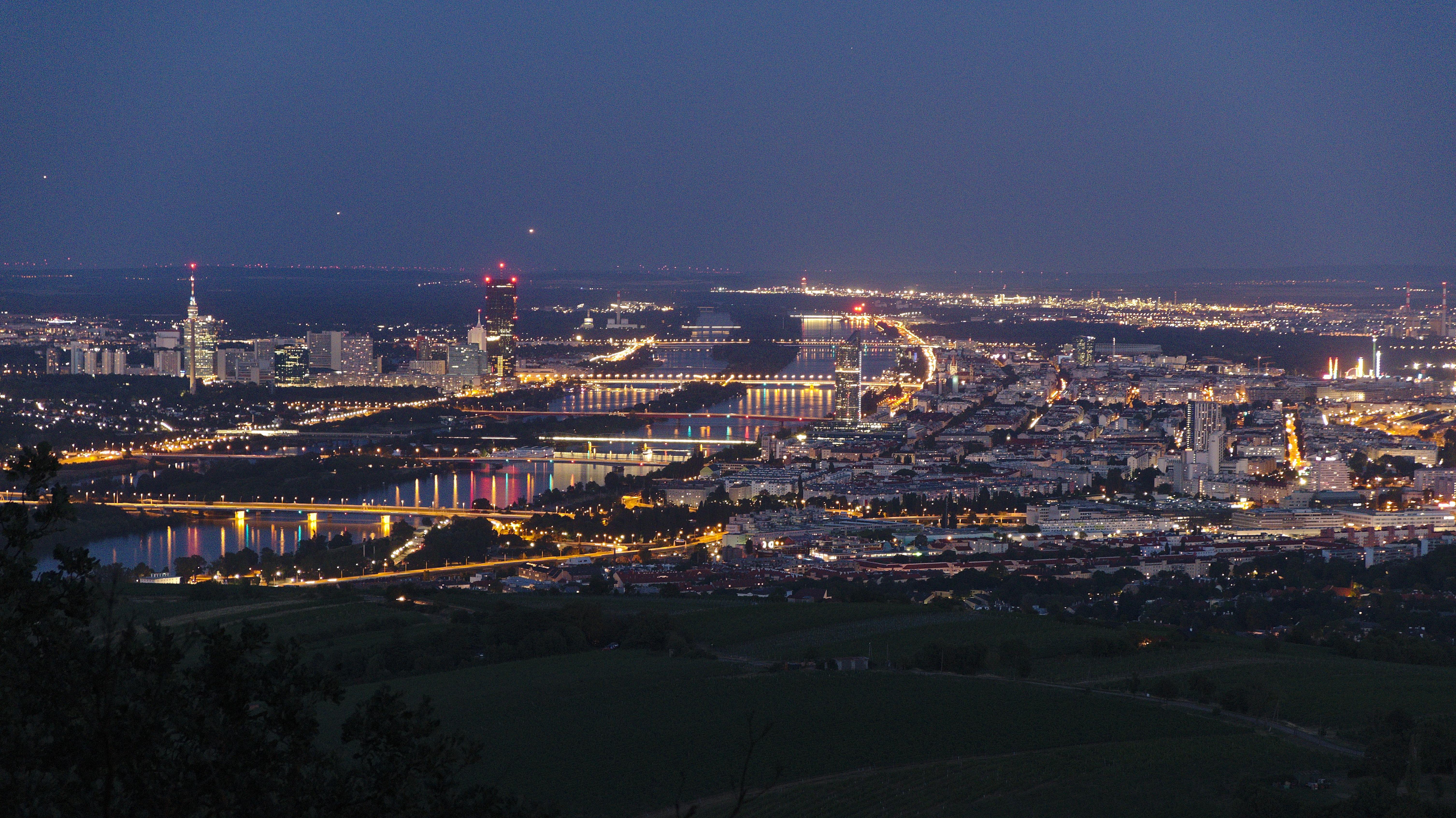 Fileblick Auf Wien Vom Kahlenberg Bei Nachtjpg Wikimedia Commons