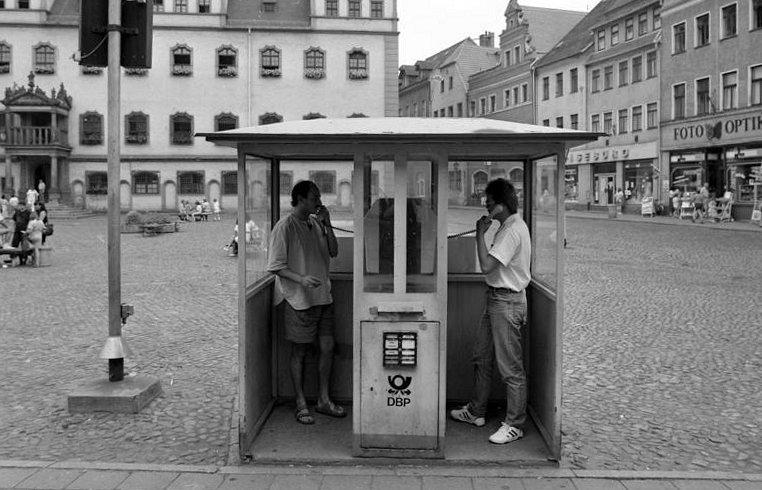 Erste Telefonzelle