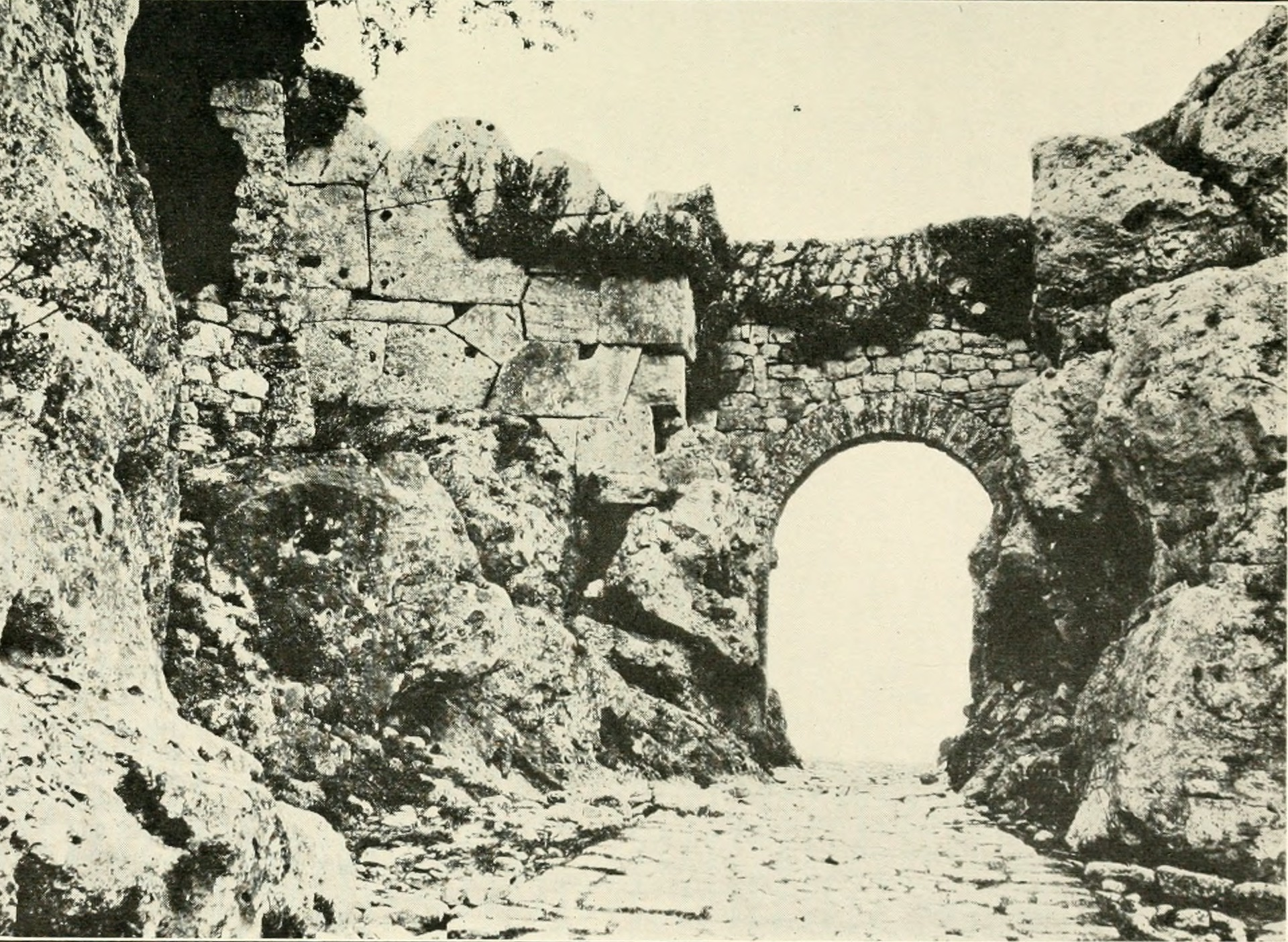 Byways in southern Tuscany (1919) (14783602915).jpg