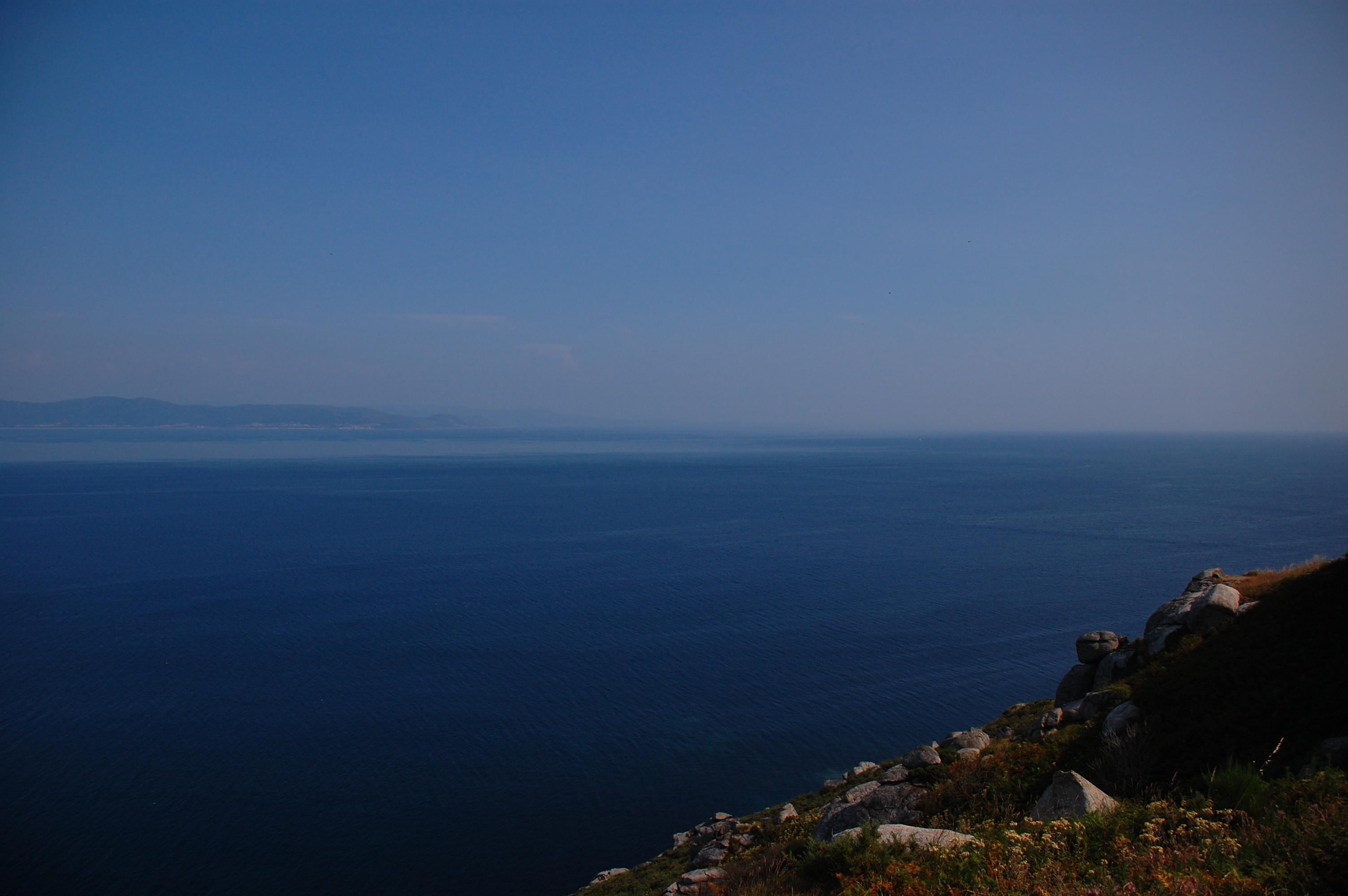 File:Cabo Fisterra Fin do Camiño 14VII2013 1.JPG - Wikimedia Commons