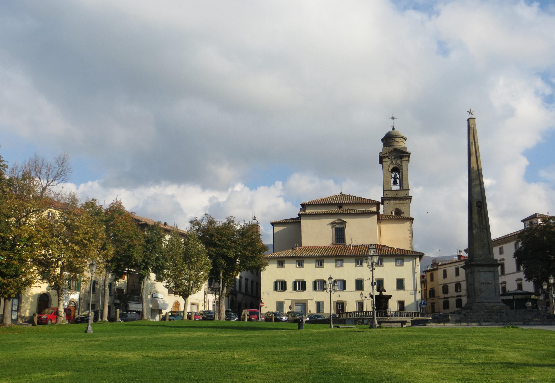 Castel del Piano, Piazza Garibaldi