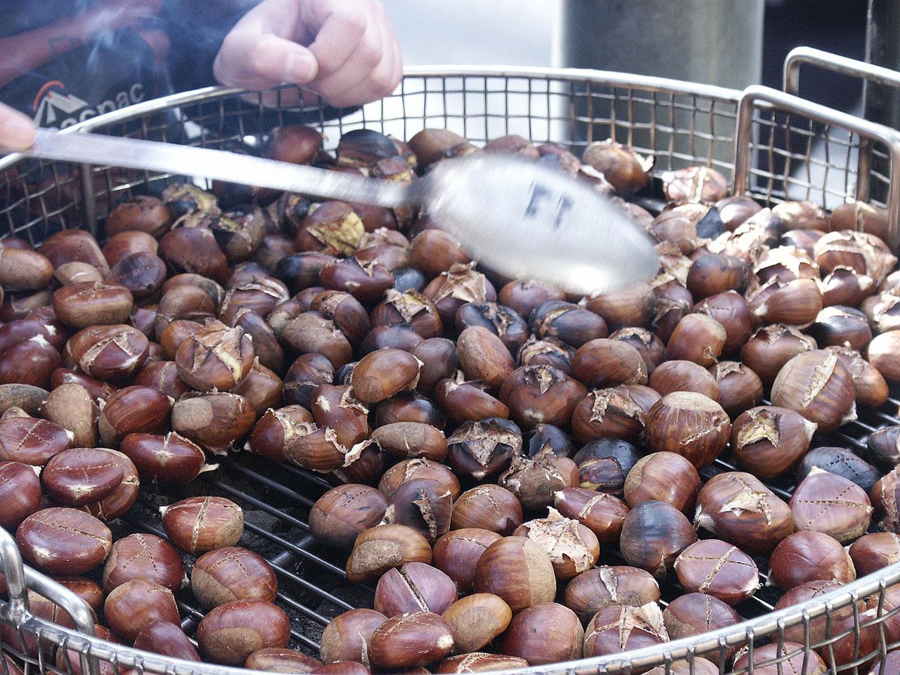 File:Chestnuts roasted.jpg - Wikipedia