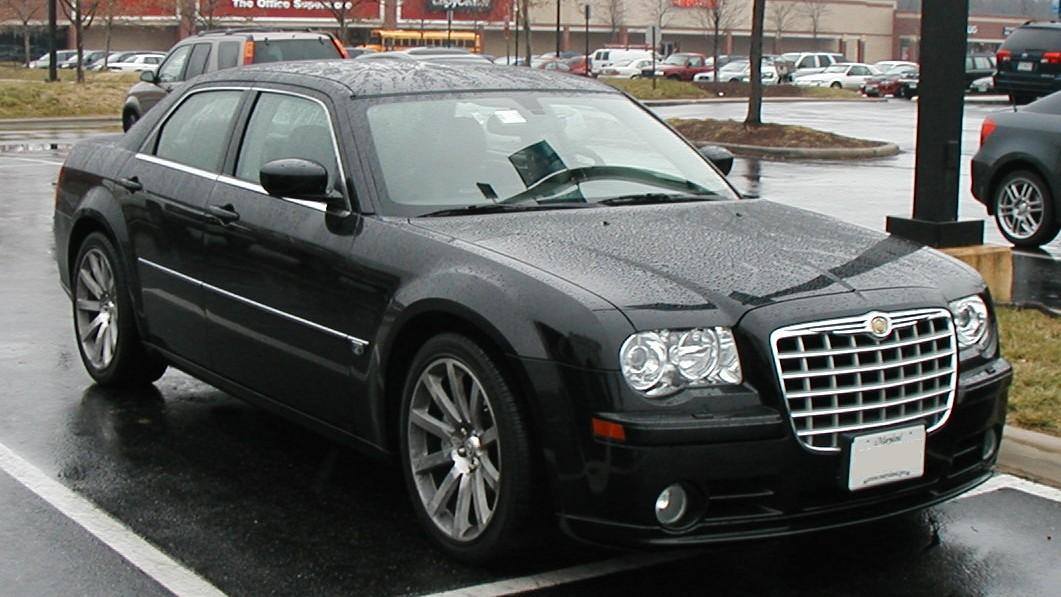 Автомобили Chrysler-300C-SRT8