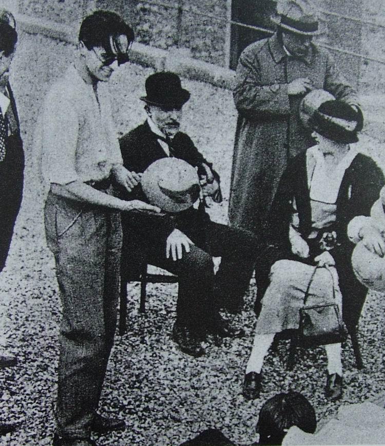 René Clair y Erik Satie durante el rodaje de Entreacto para el ballet Relâche (octubre de 1924).