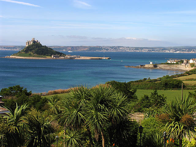 File:Coastline at Marazion - geograph.org.uk - 218911.jpg