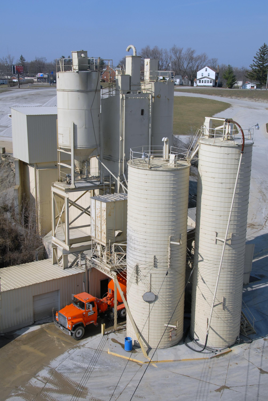 File Concrete Plant In Mansfield Ohio Jpg Wikipedia