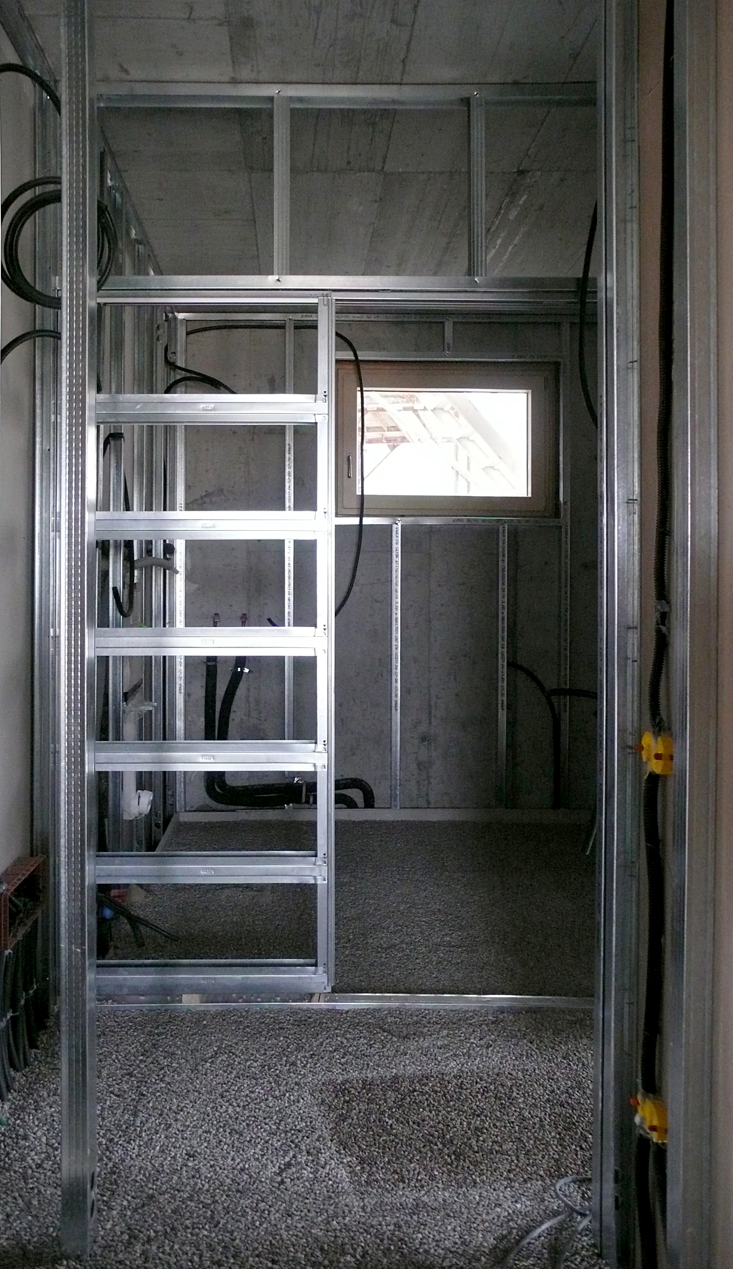 Per pareti in cartongesso ad anta singola si avvitano le lastre di cartongesso with parete - Parete in cartongesso con porta ...