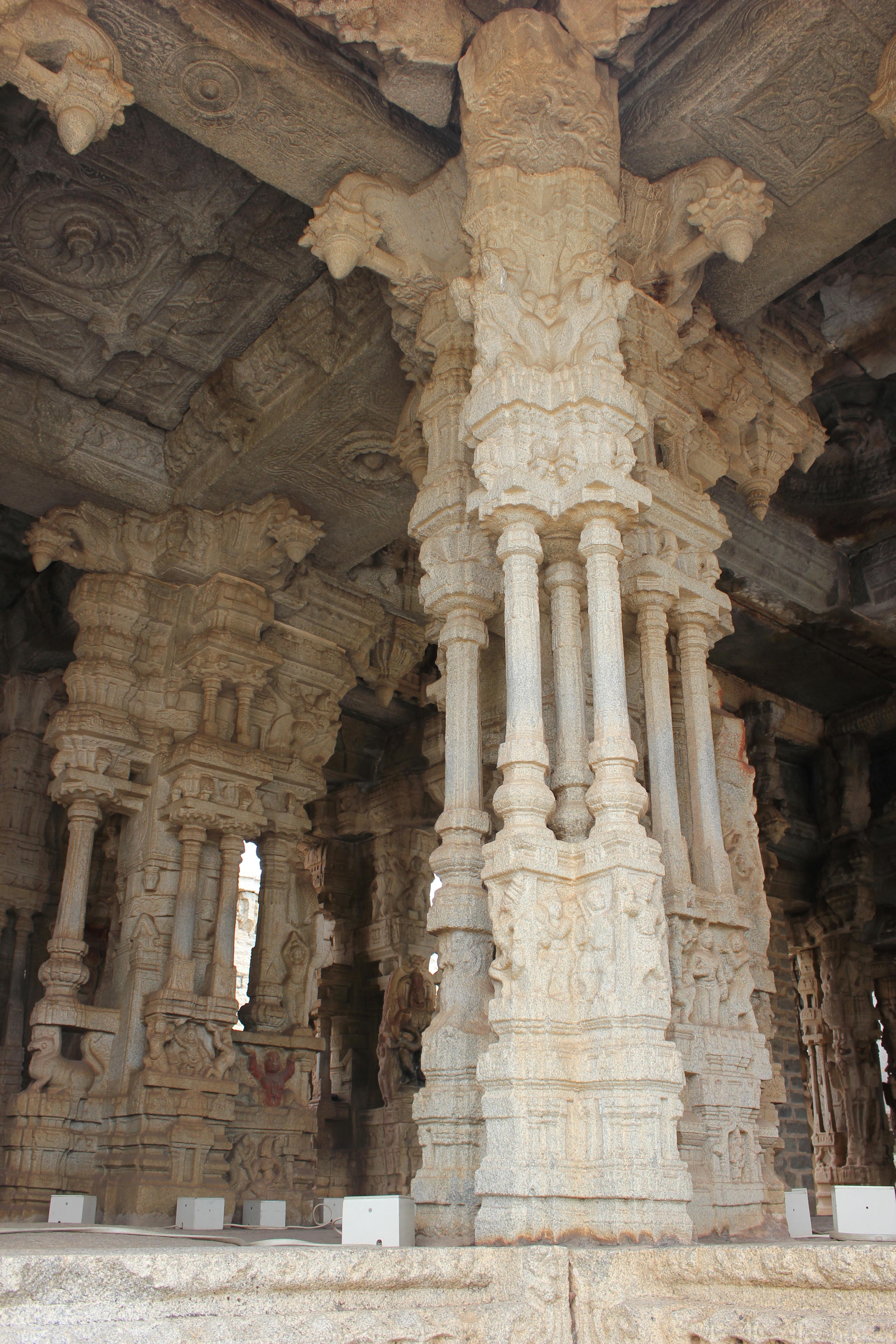 File:Decorative pillars in the main mantapa in the Vitthala temple complex  in Hampi 2
