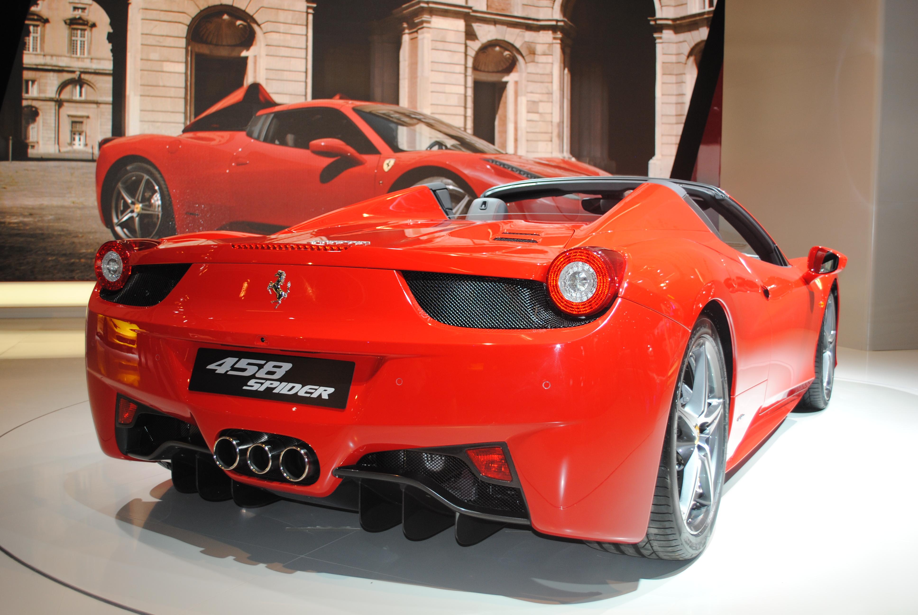 File:Ferrari 458 Spider (6143719925).jpg - Wikimedia Commons