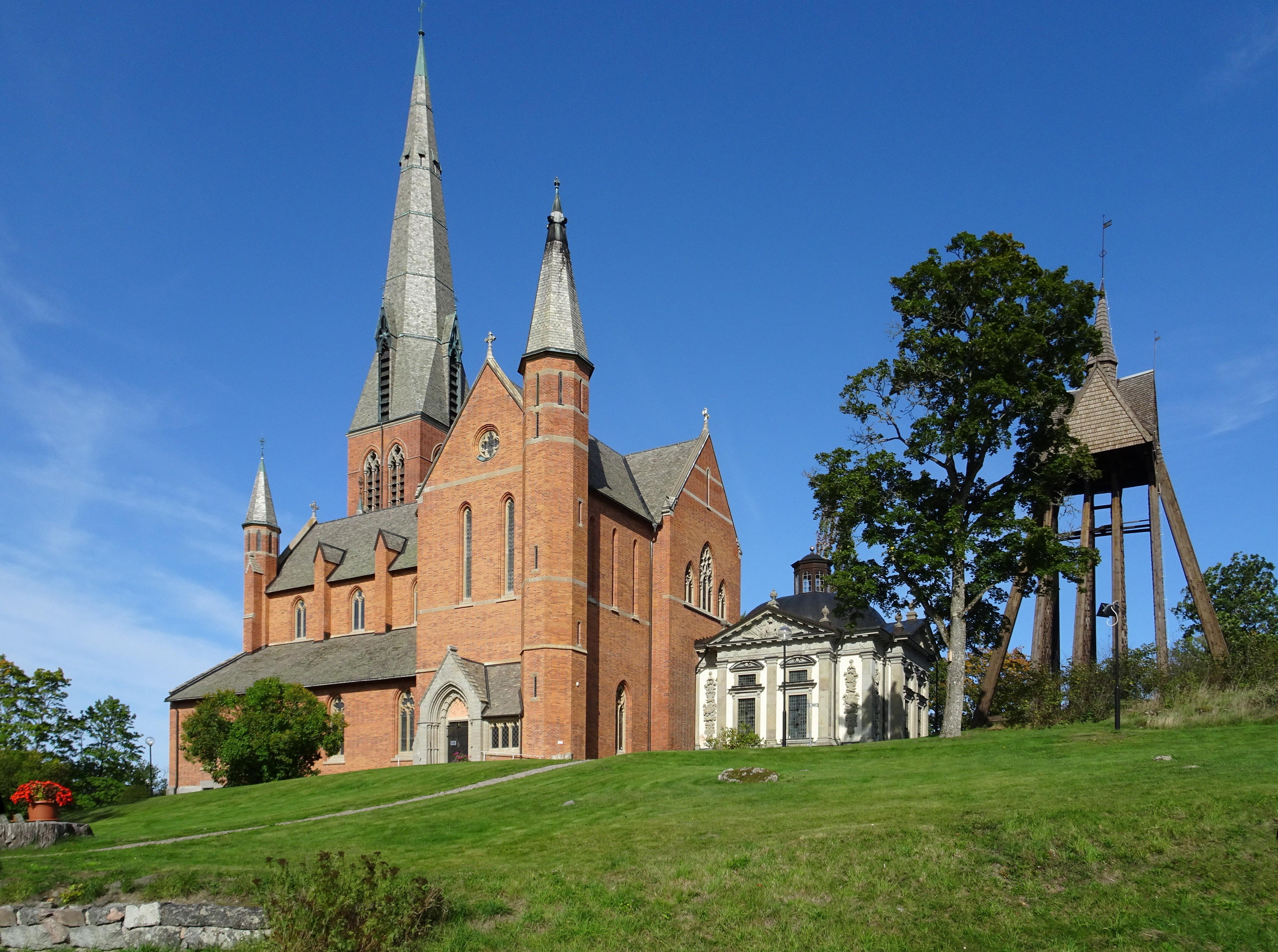 Bild av Floda kyrka