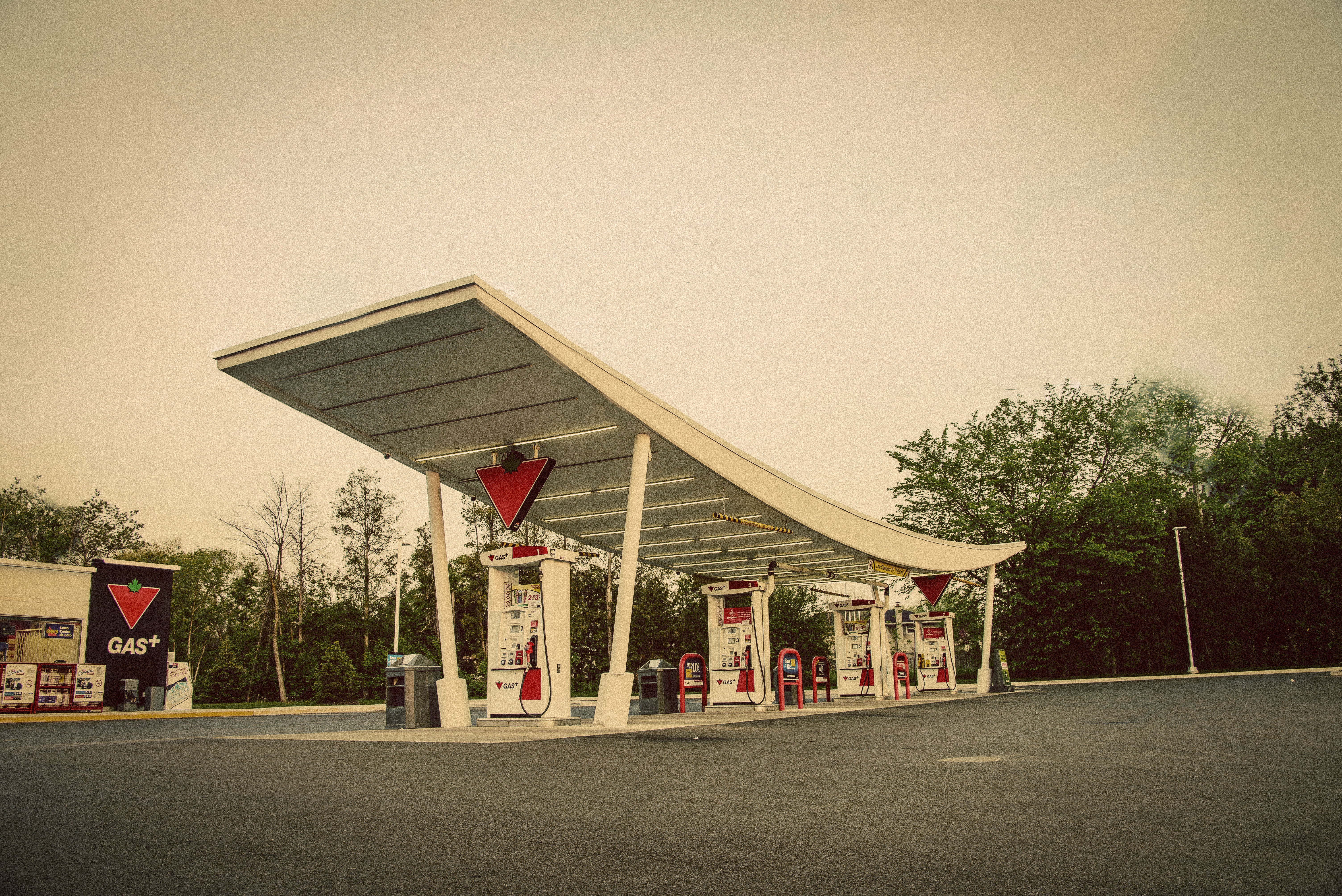 File Gas Station Mississauga Canada Jpg Wikimedia Commons