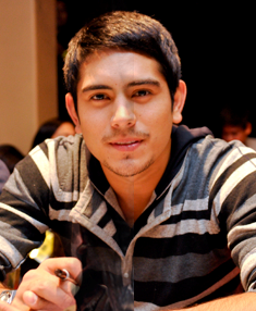 Gerald Anderson Filipino actor and shampoo model collector