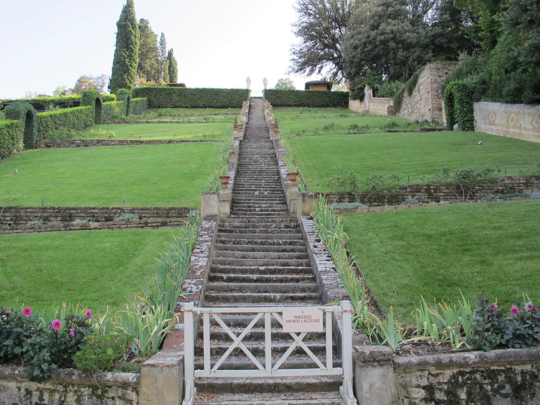 File giardino a terrazze 05 scalinata jpg wikimedia commons - Giardino a terrazze ...