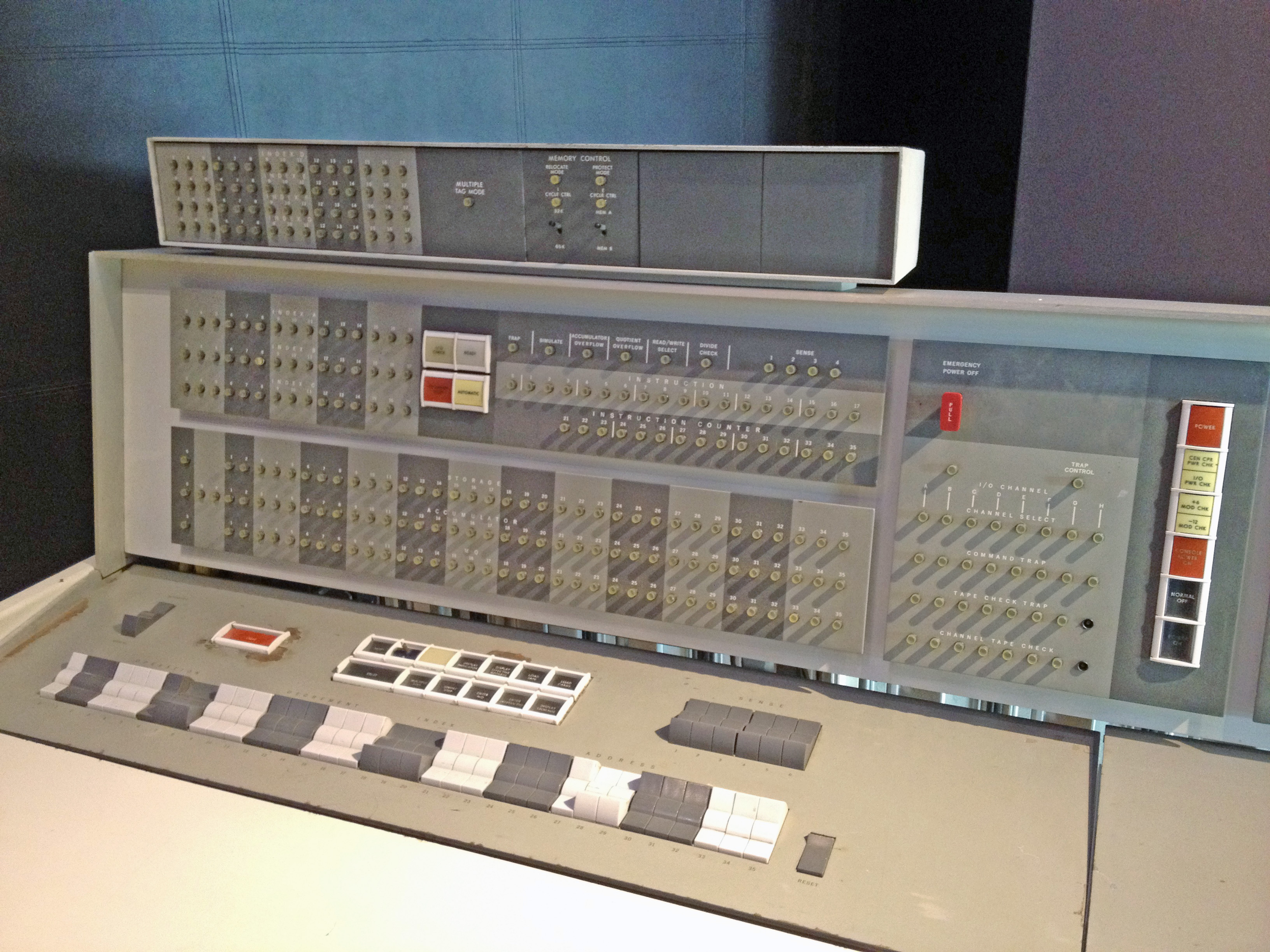 IBM 7090 - Wikipedia, the free encyclopedia