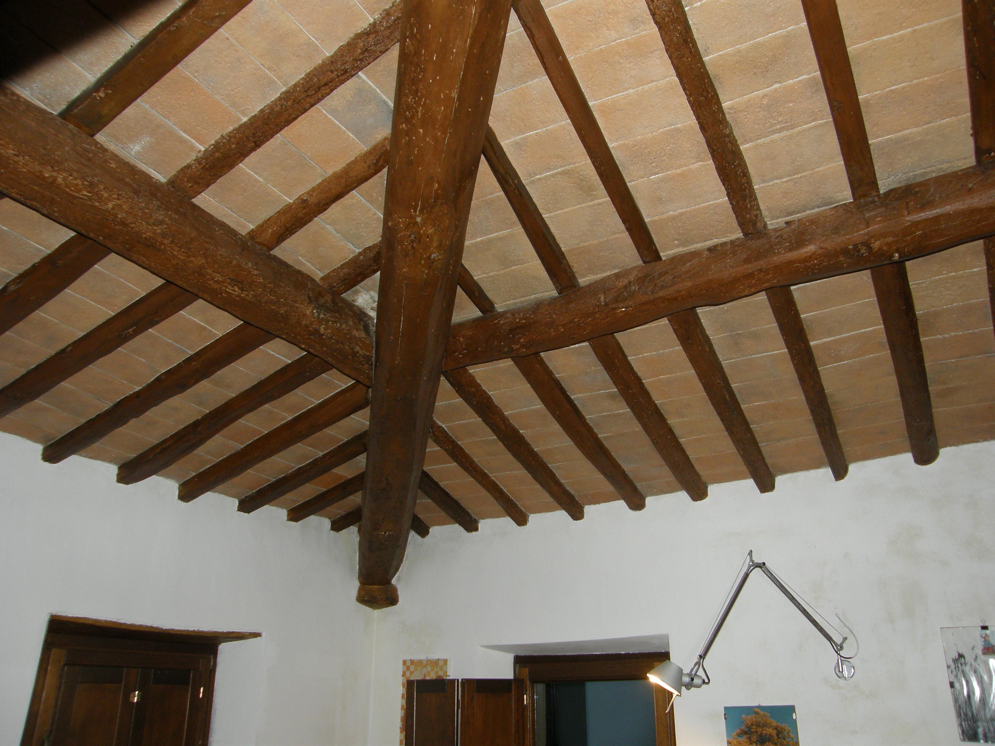 file italien toskana innenansicht eines alten wikimedia commons. Black Bedroom Furniture Sets. Home Design Ideas