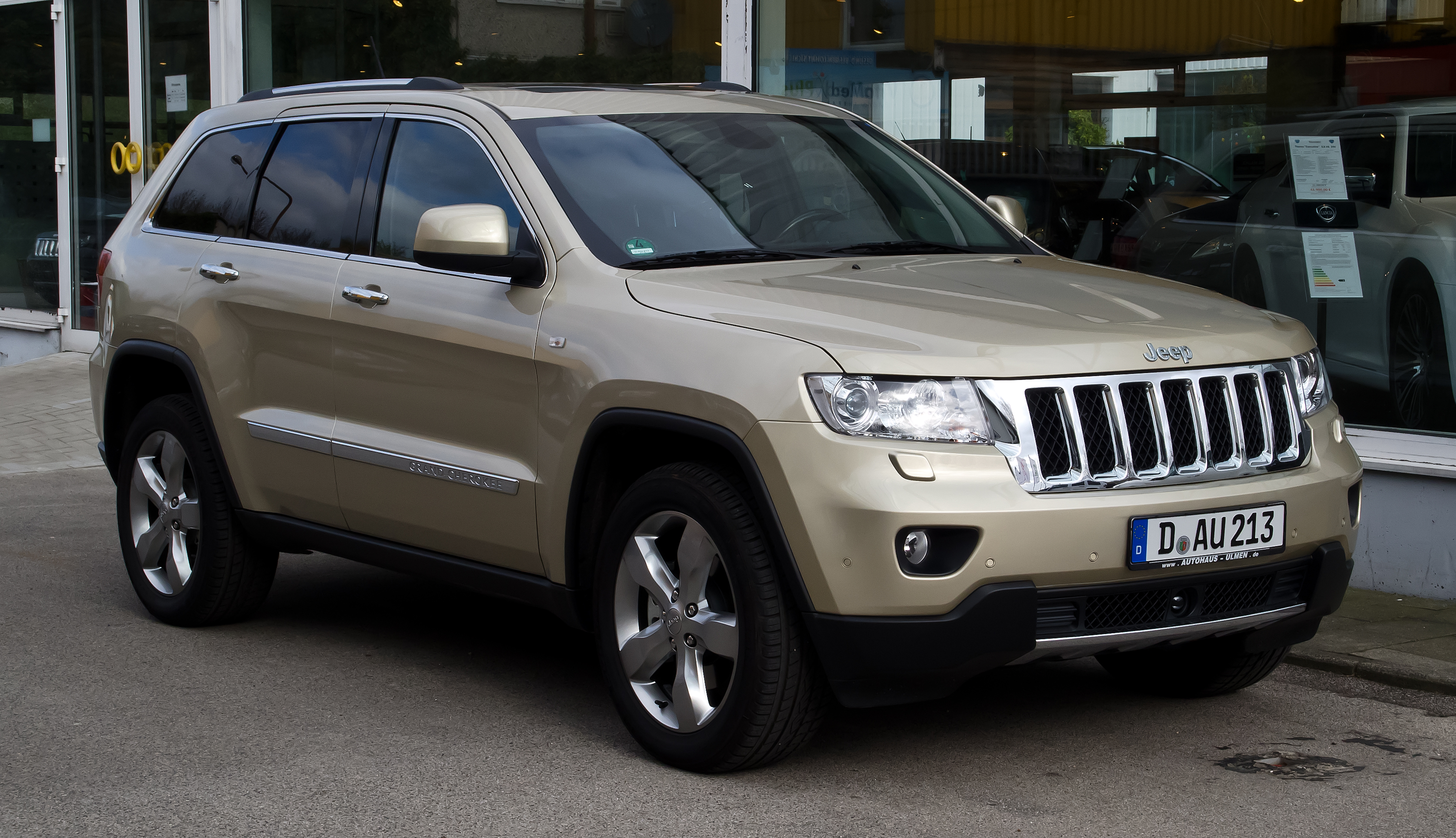 Jeep Grand Cherokee (WK2) - Wikipedia