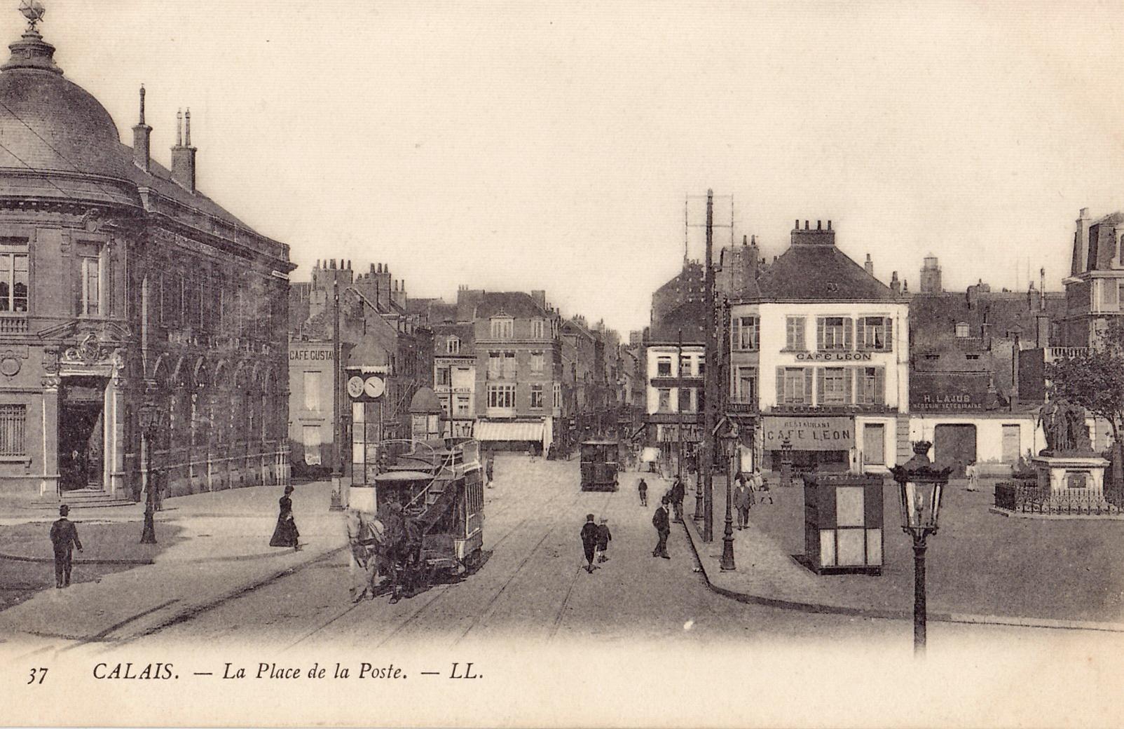 LL 37 - CALAIS - La Place de la Poste.jpg