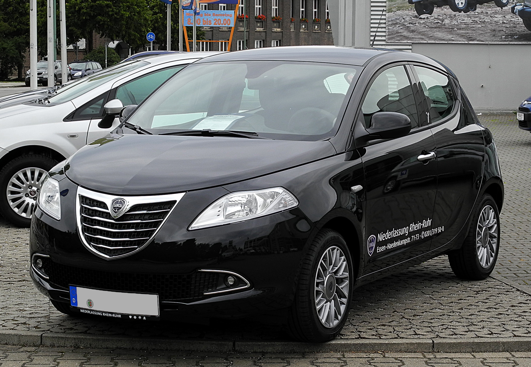 file lancia ypsilon 1 2 8v gold ii frontansicht 1 3 juli 2011 wikimedia commons. Black Bedroom Furniture Sets. Home Design Ideas