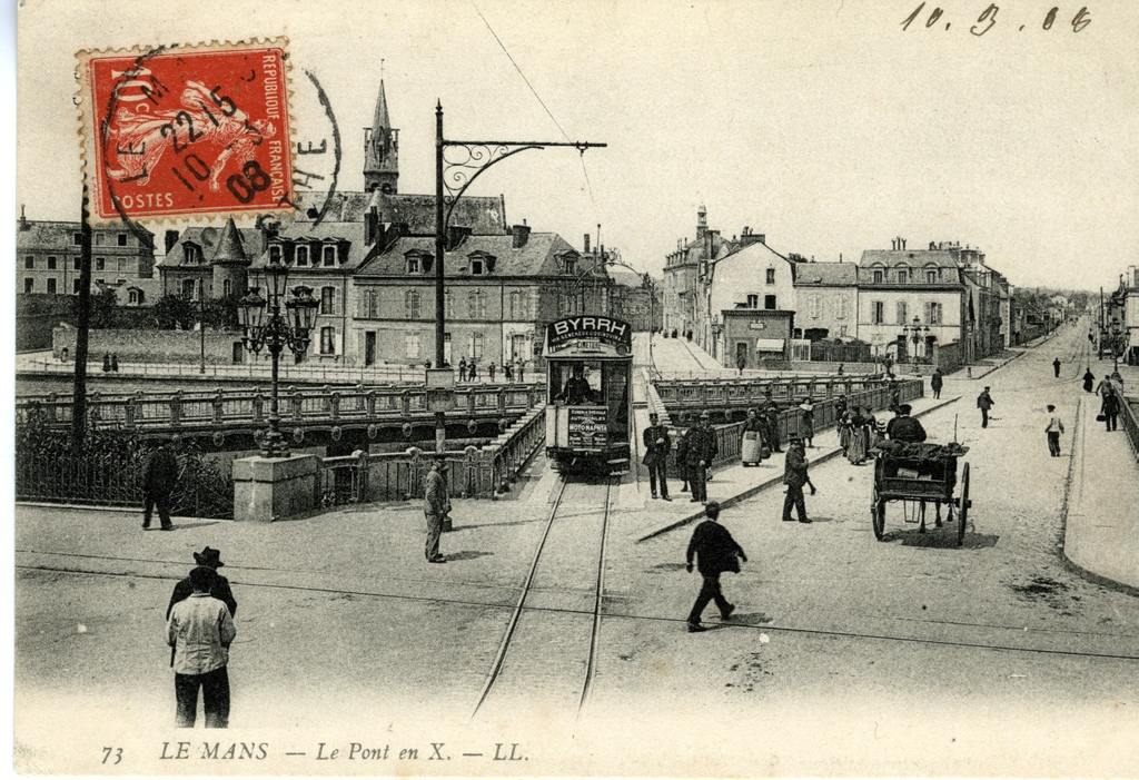 http://upload.wikimedia.org/wikipedia/commons/f/fb/Le_Mans,_pont_en_X_1.jpg