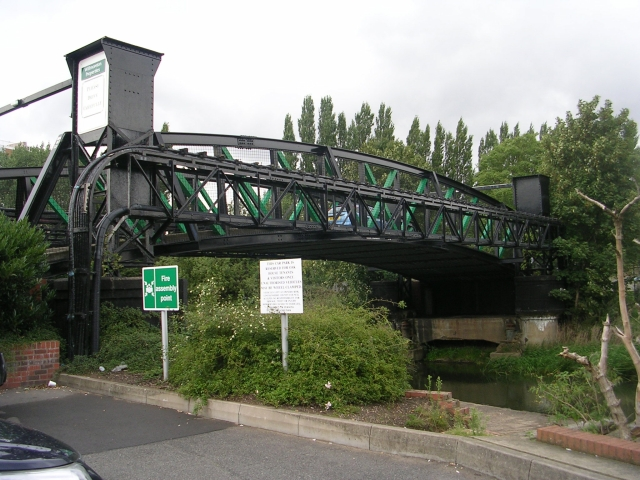 File:Lifting Bridge over River Witham - geograph.org.uk - 1483863.jpg