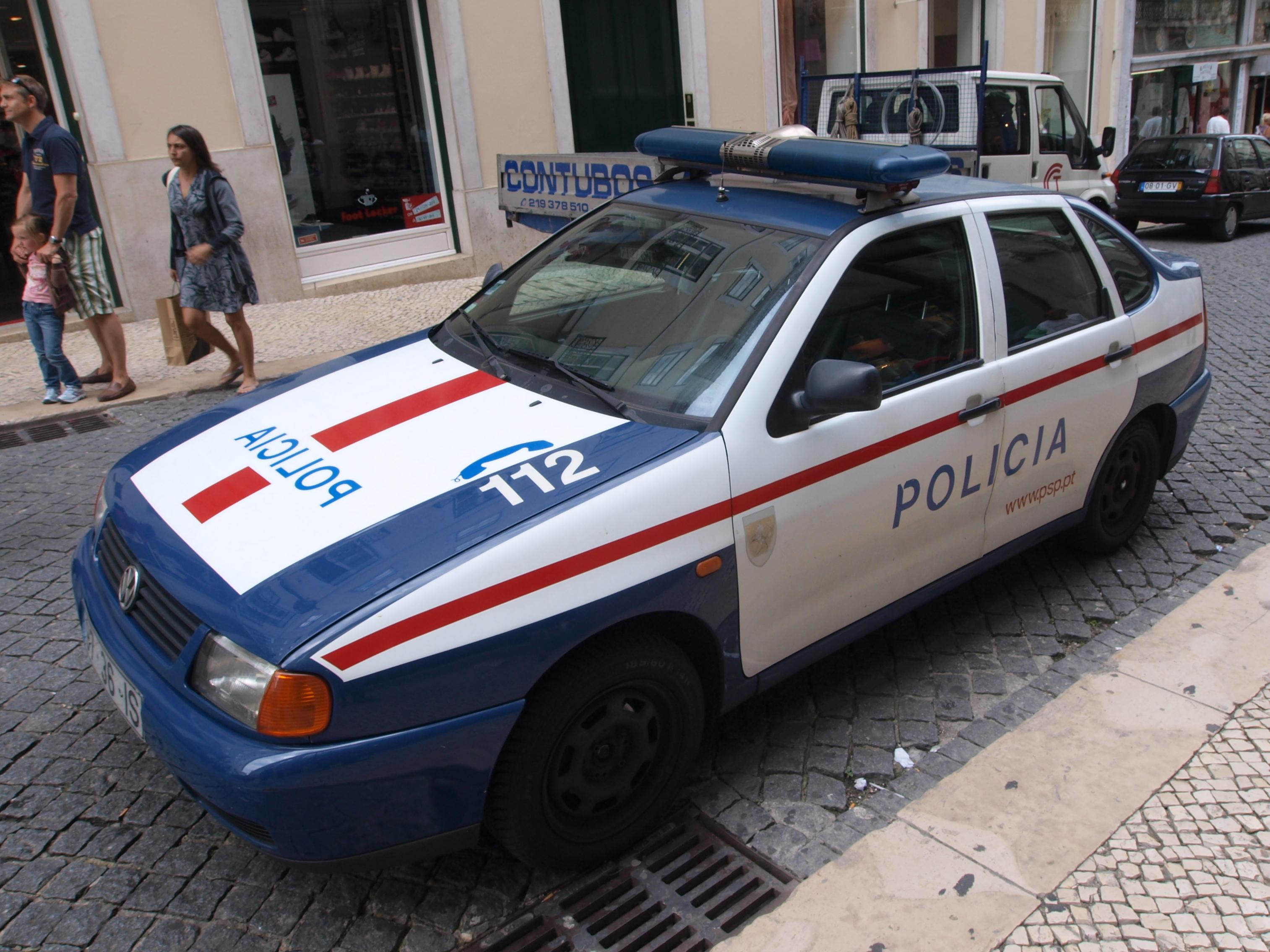 File Lisboa Vw Police Car Portugal Jpg Wikimedia Commons