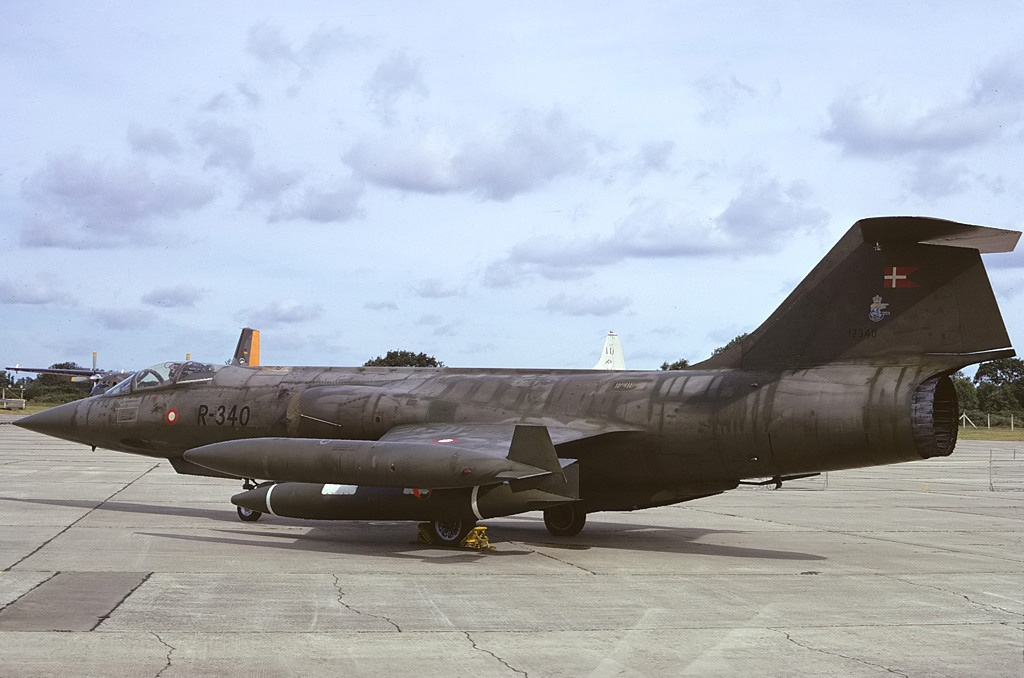 File:Lockheed (Canadair) F-104G Starfighter (CL-90), Denmark - Air ...: http://commons.wikimedia.org/wiki/File:Lockheed_(Canadair)_F-104G_Starfighter_(CL-90),_Denmark_-_Air_Force_AN0992810.jpg