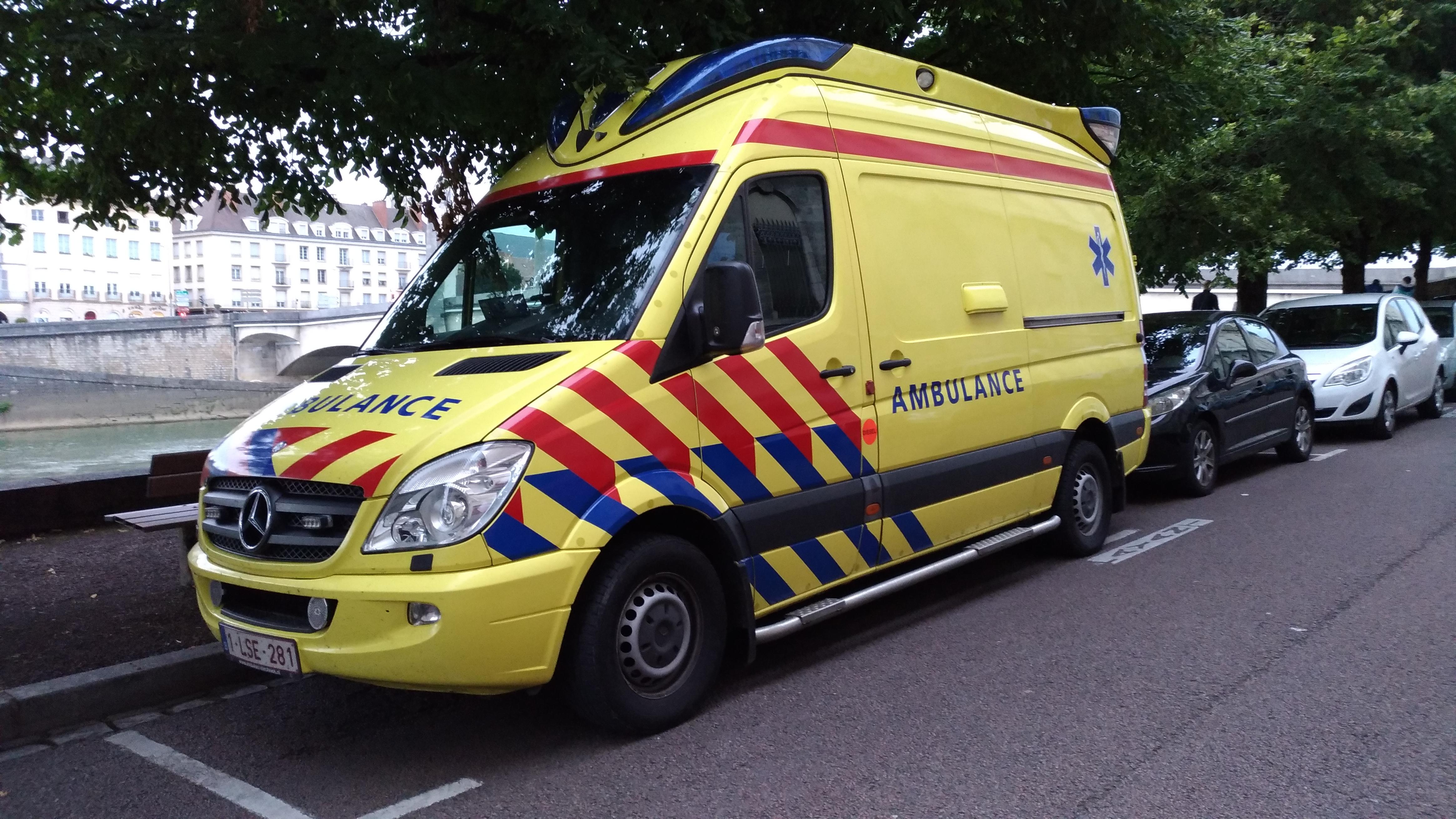 File:Mercedes Sprinter Belgian Ambulance in France (39236055682) jpg
